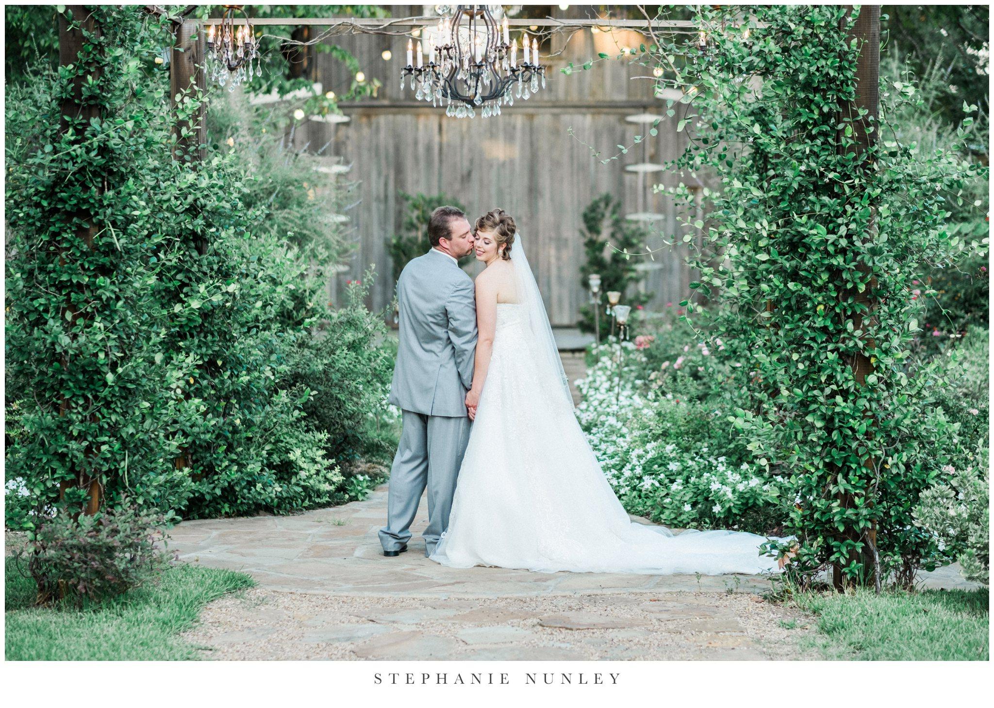 southern-classy-outdoor-barn-wedding-photos-0096.jpg