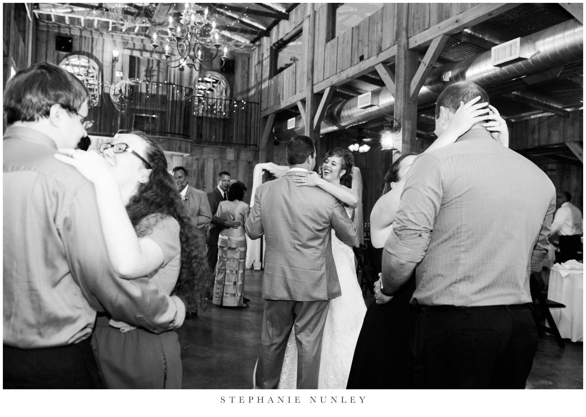 southern-classy-outdoor-barn-wedding-photos-0117.jpg