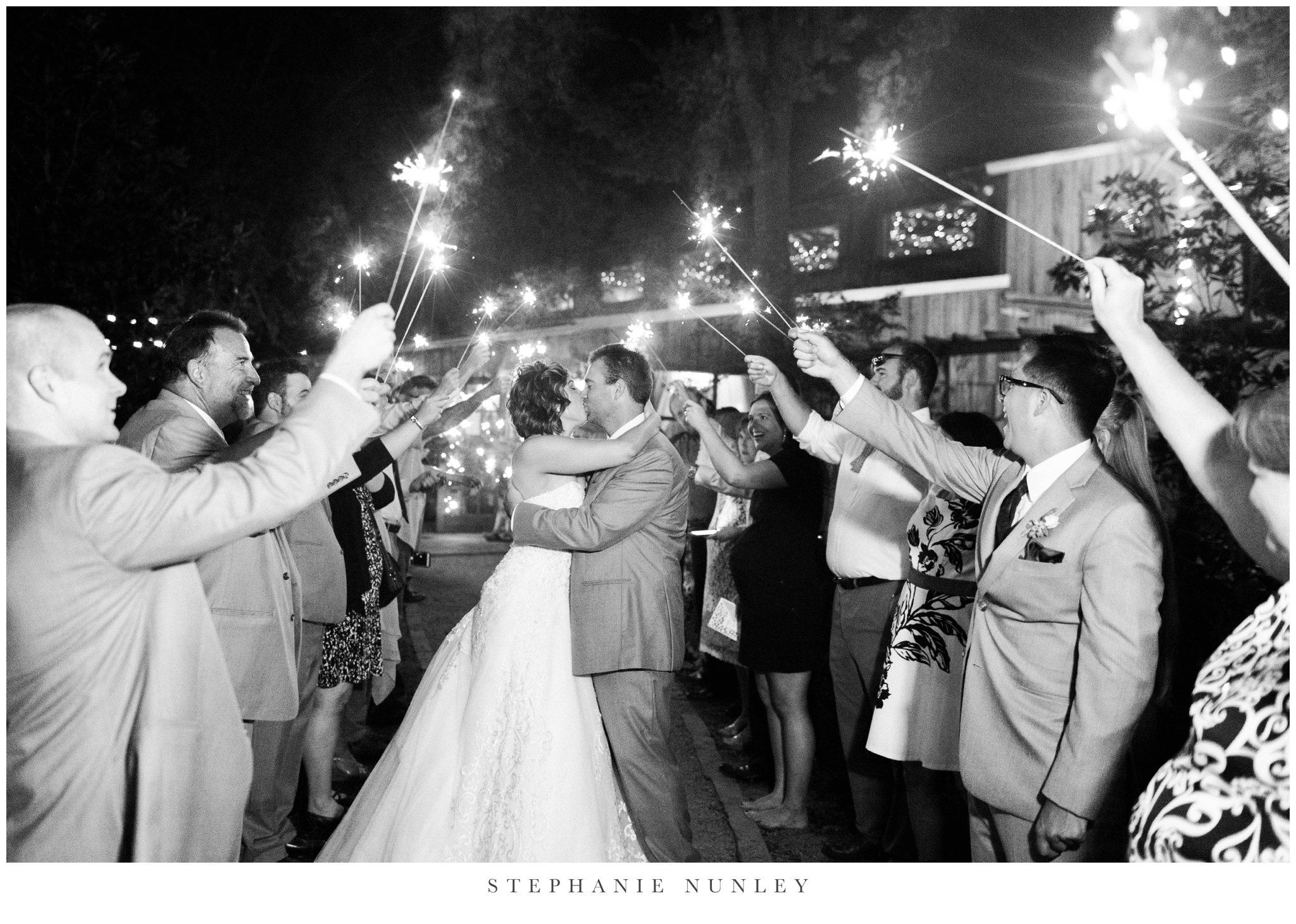 southern-classy-outdoor-barn-wedding-photos-0123.jpg