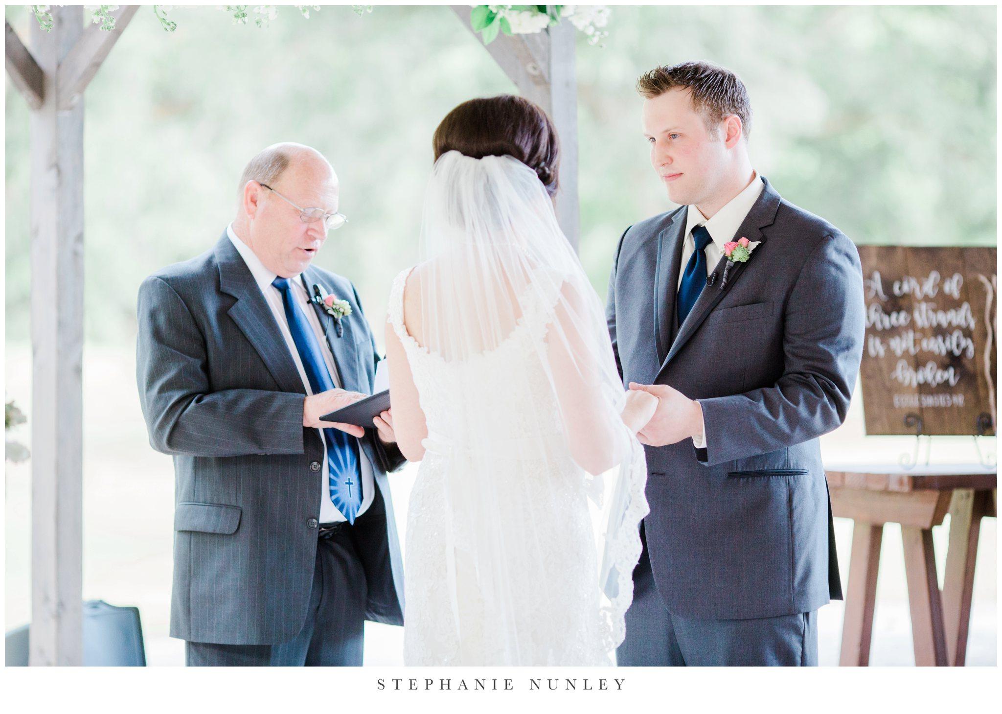 arkansas-outdoor-film-inspired-wedding-0039.jpg