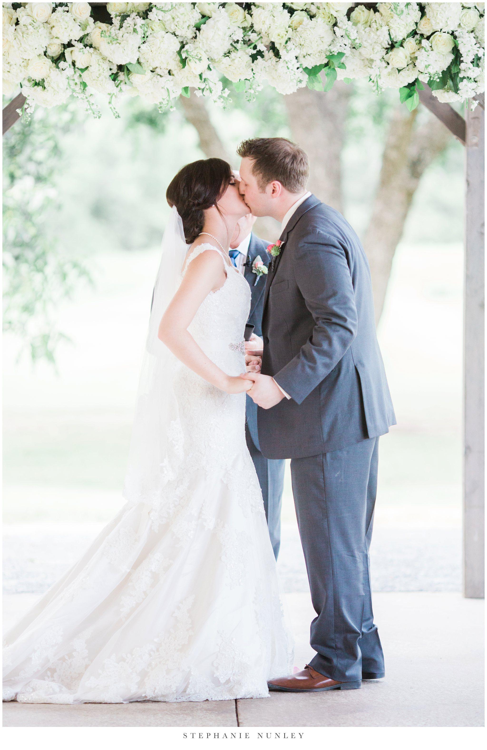 arkansas-outdoor-film-inspired-wedding-0040.jpg