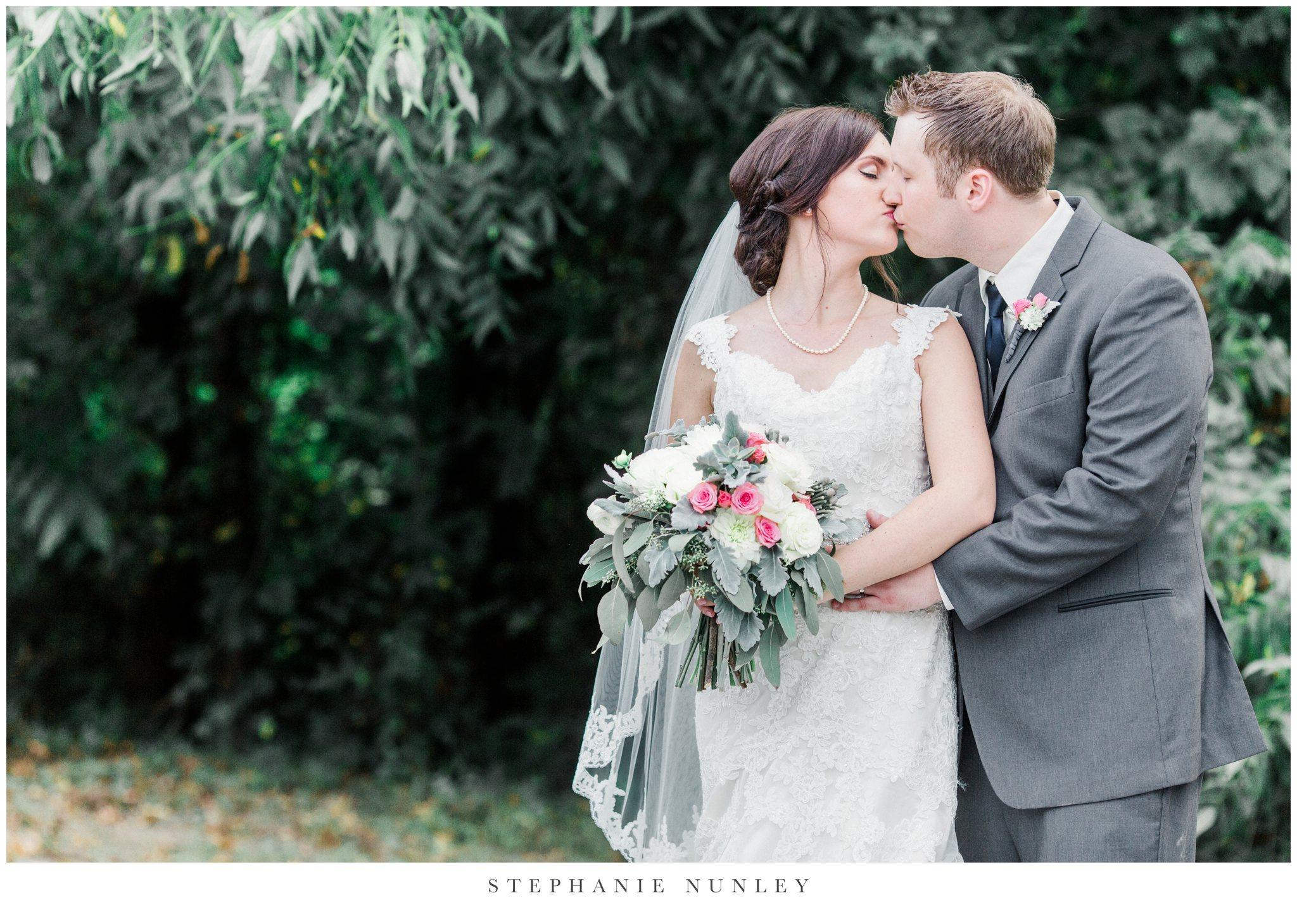 arkansas-outdoor-film-inspired-wedding-0073.jpg