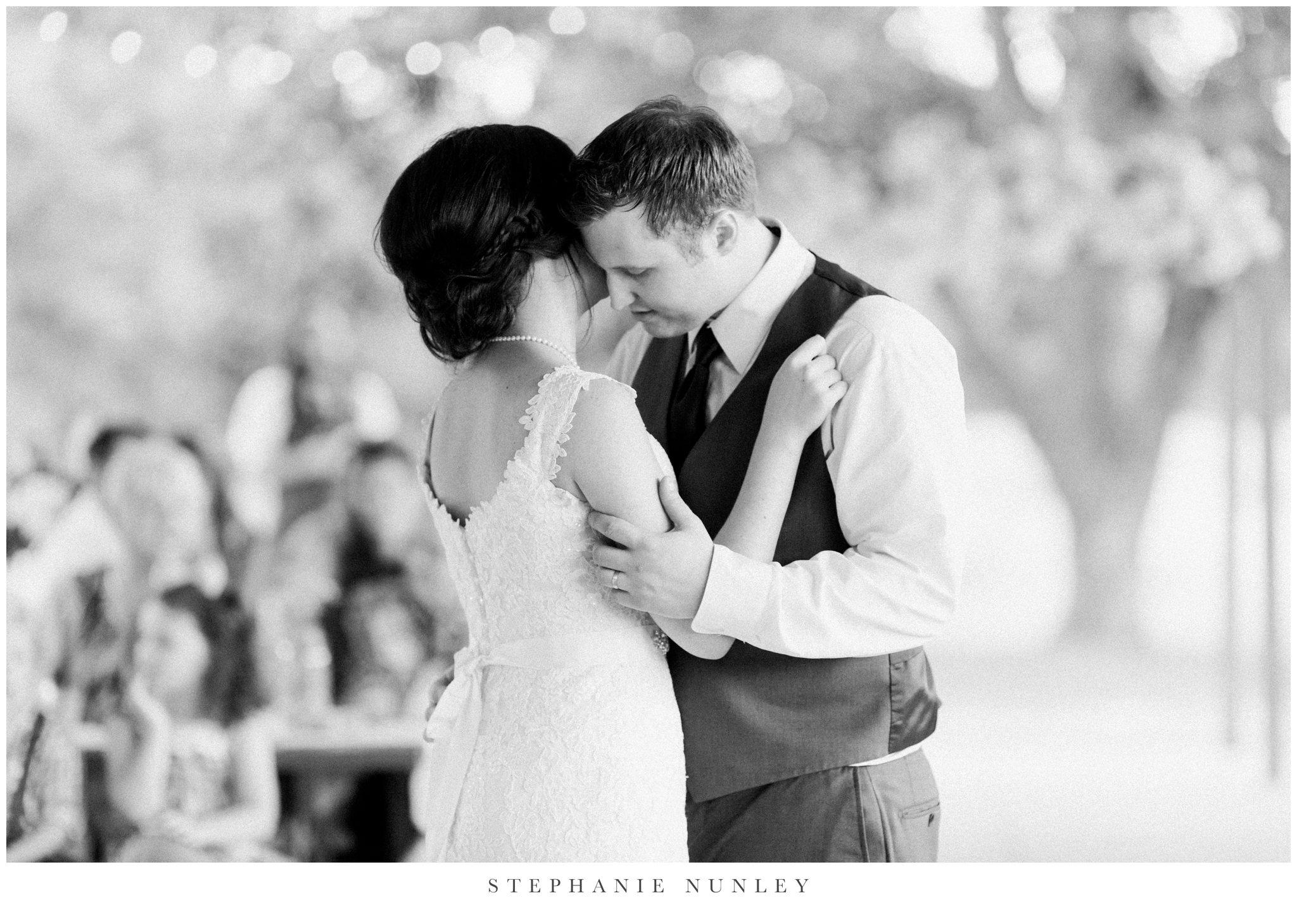 arkansas-outdoor-film-inspired-wedding-0091.jpg