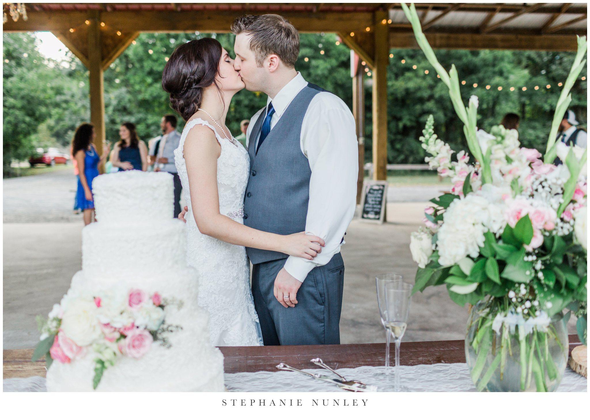 arkansas-outdoor-film-inspired-wedding-0094.jpg