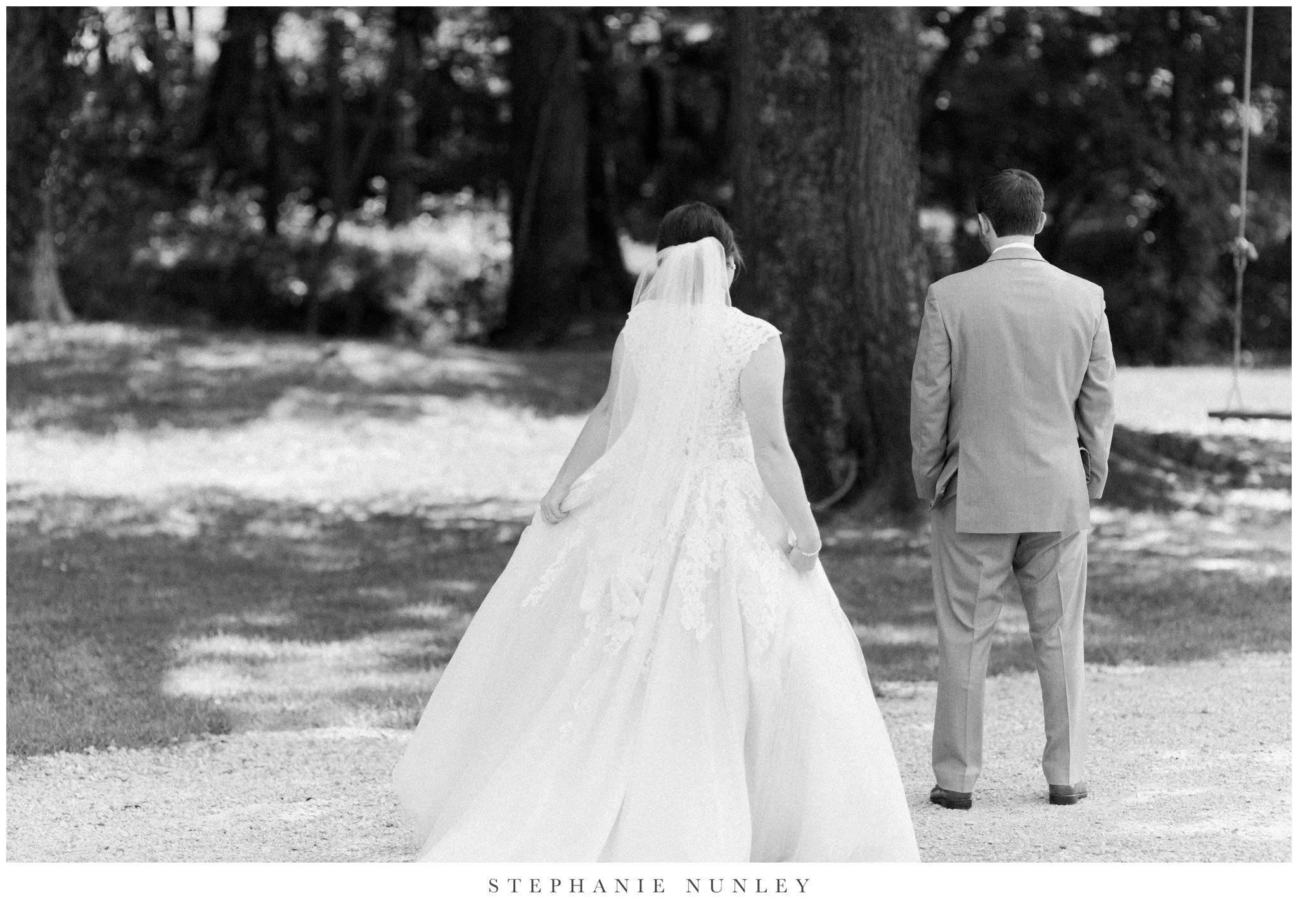 arkansas-wedding-with-lush-wildflower-bouquet-0035.jpg