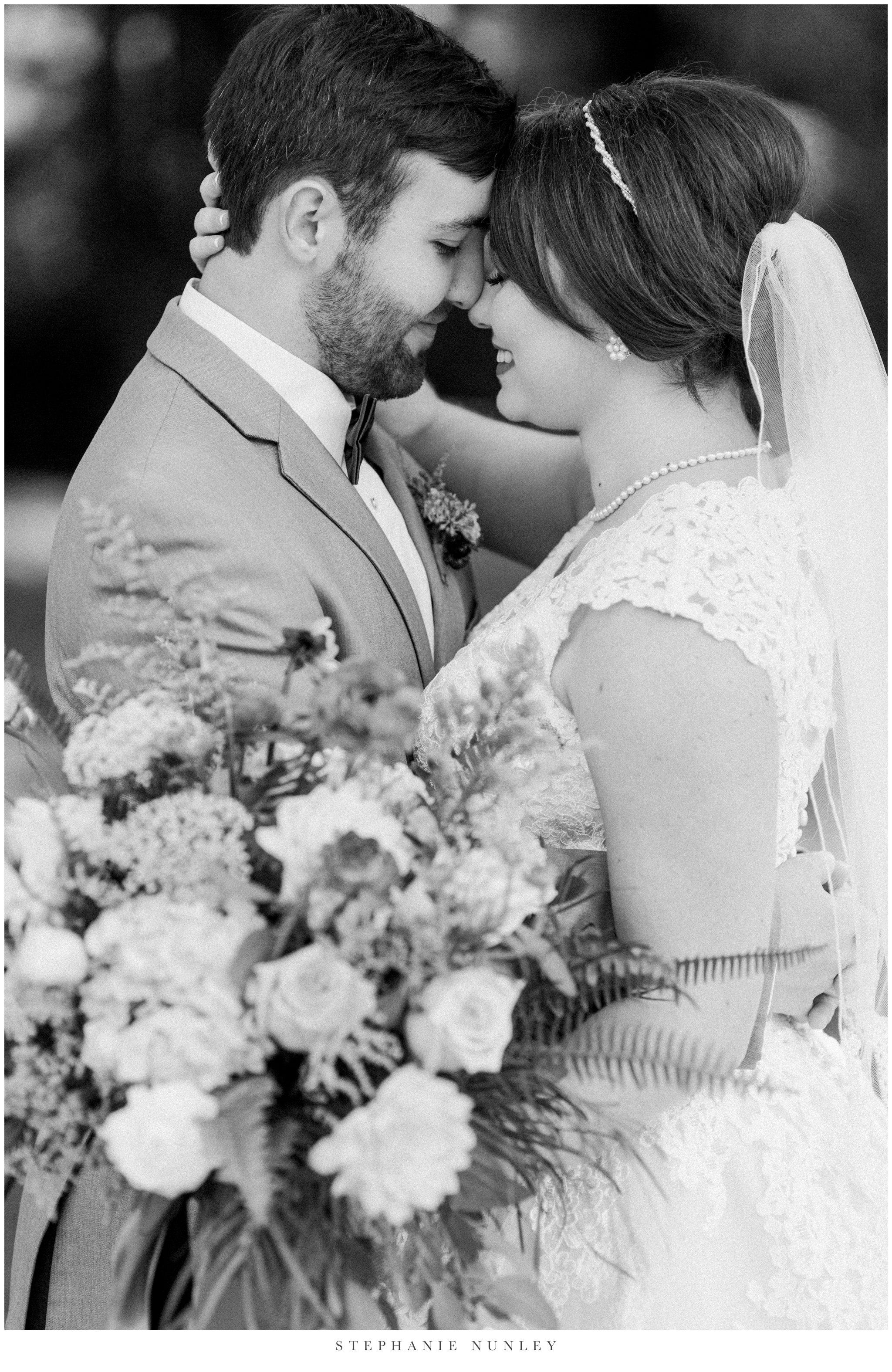 arkansas-wedding-with-lush-wildflower-bouquet-0052.jpg