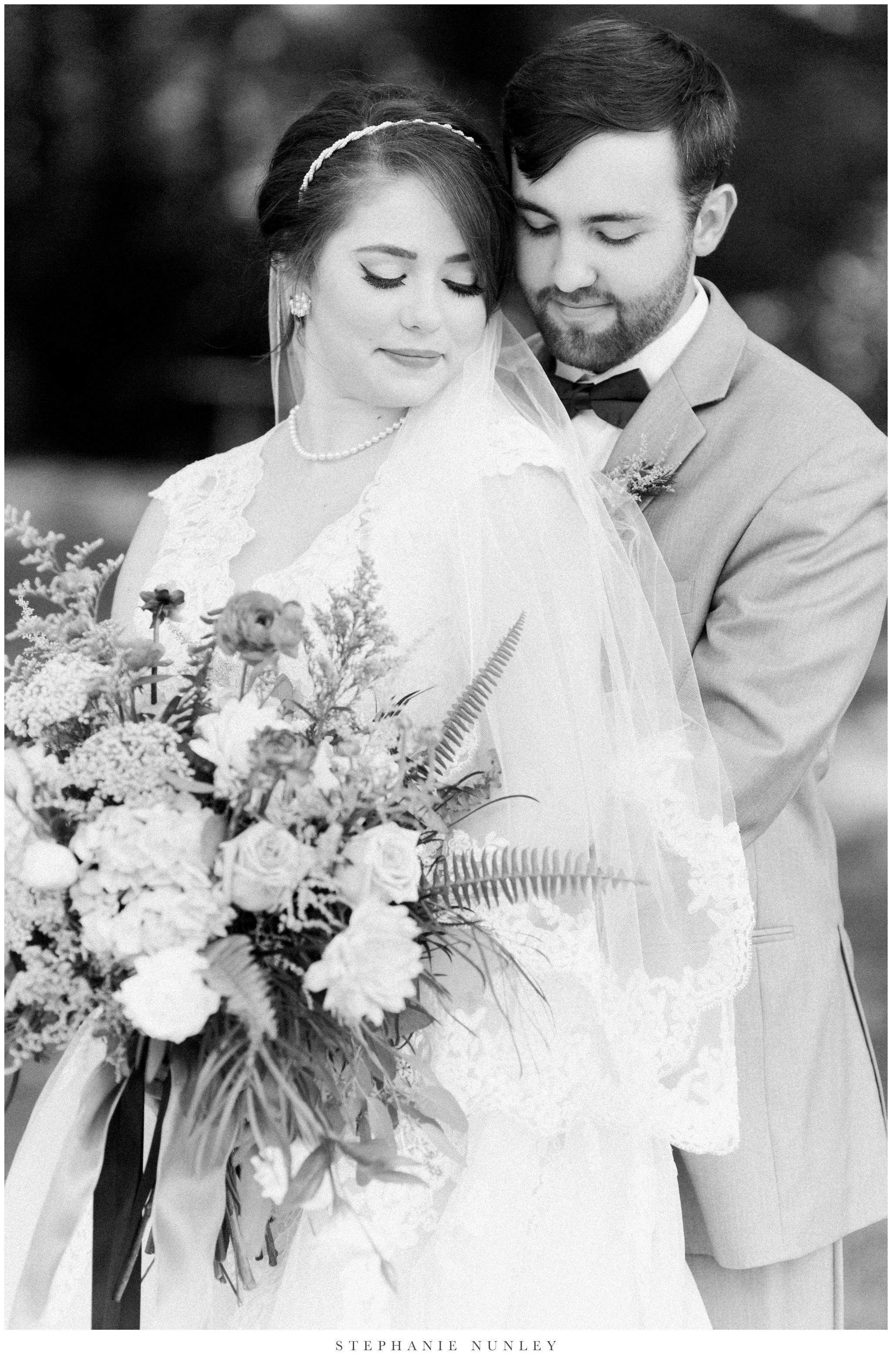 arkansas-wedding-with-lush-wildflower-bouquet-0056.jpg