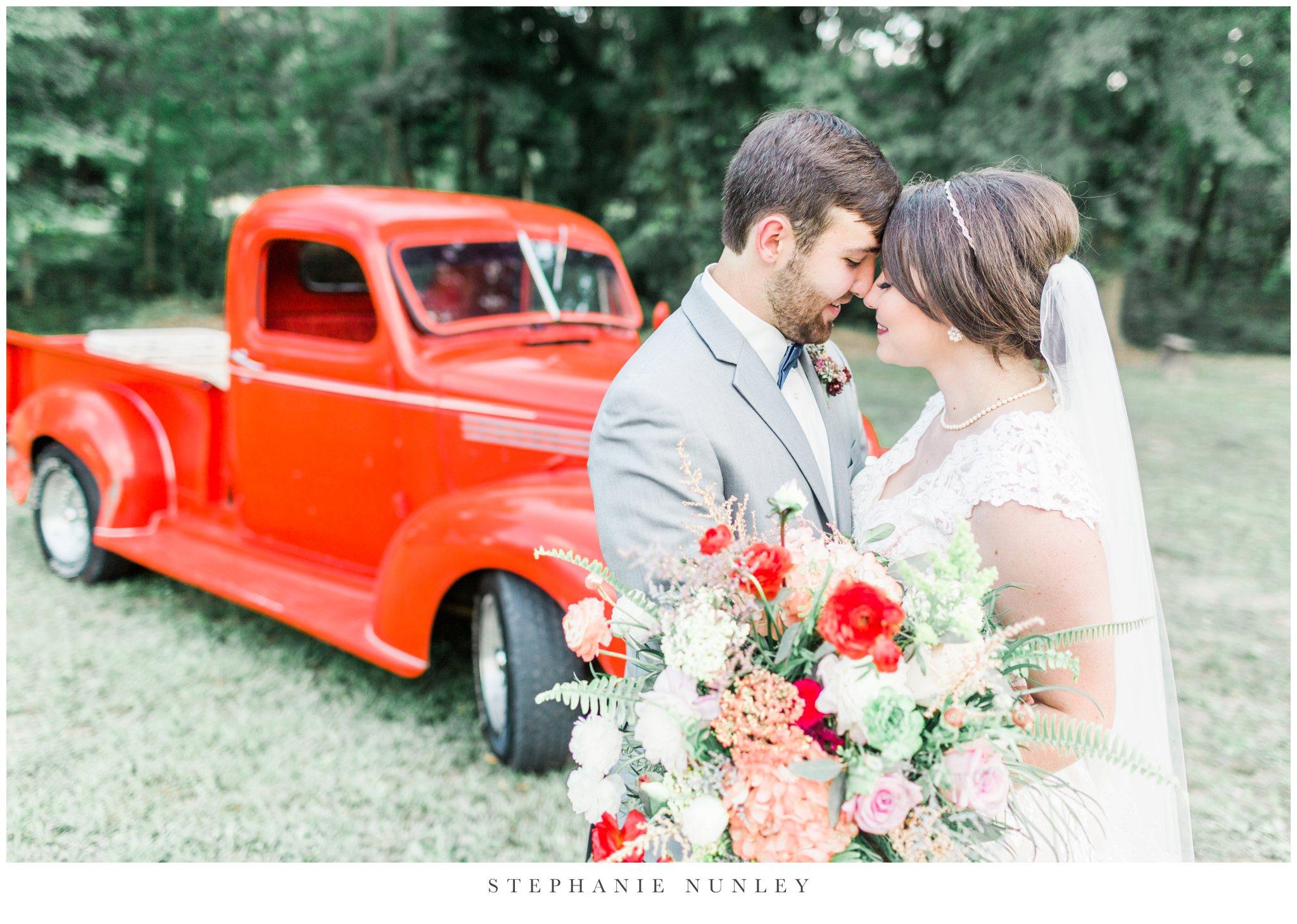 arkansas-wedding-with-lush-wildflower-bouquet-0080.jpg