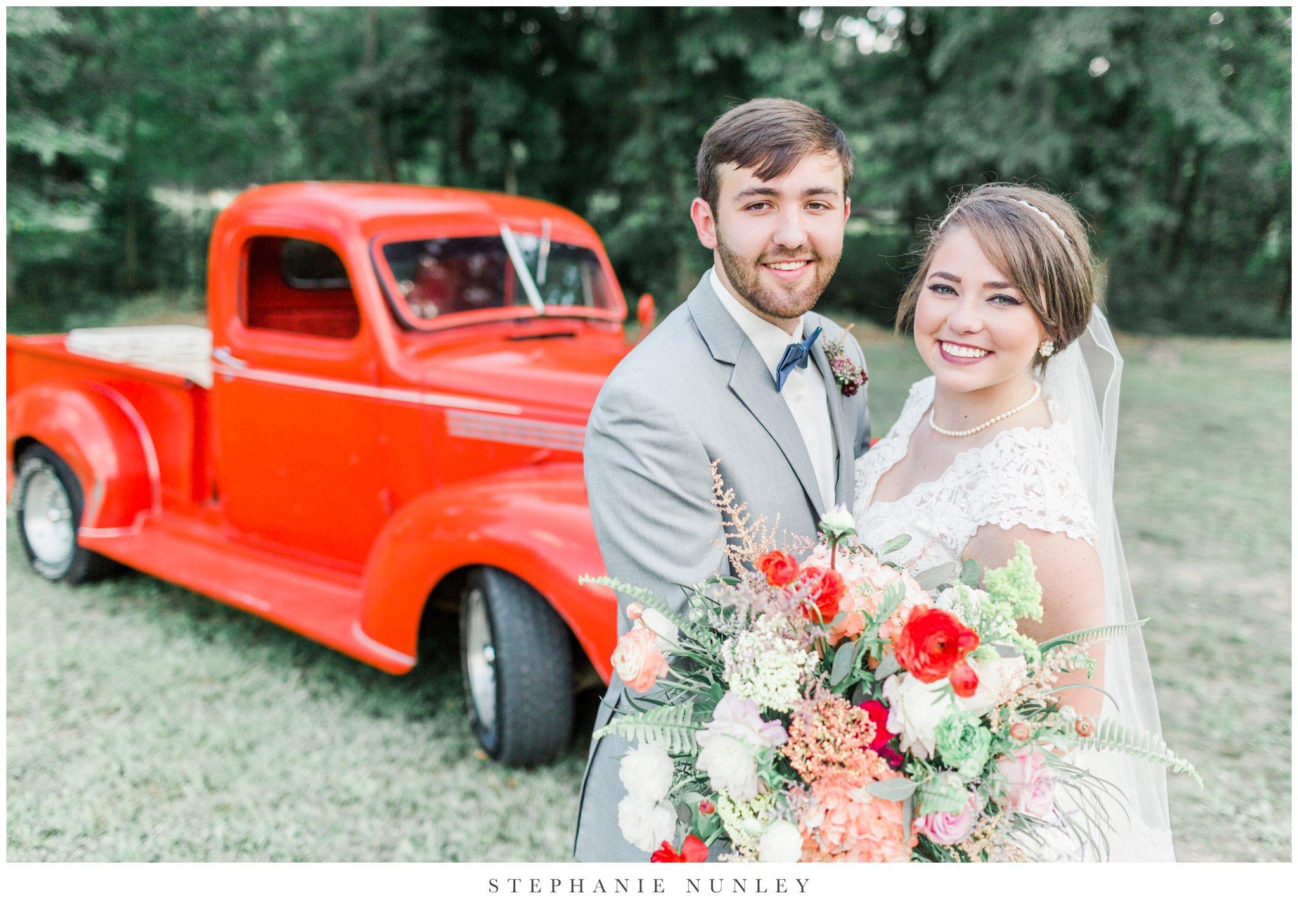 arkansas-wedding-with-lush-wildflower-bouquet-0079.jpg