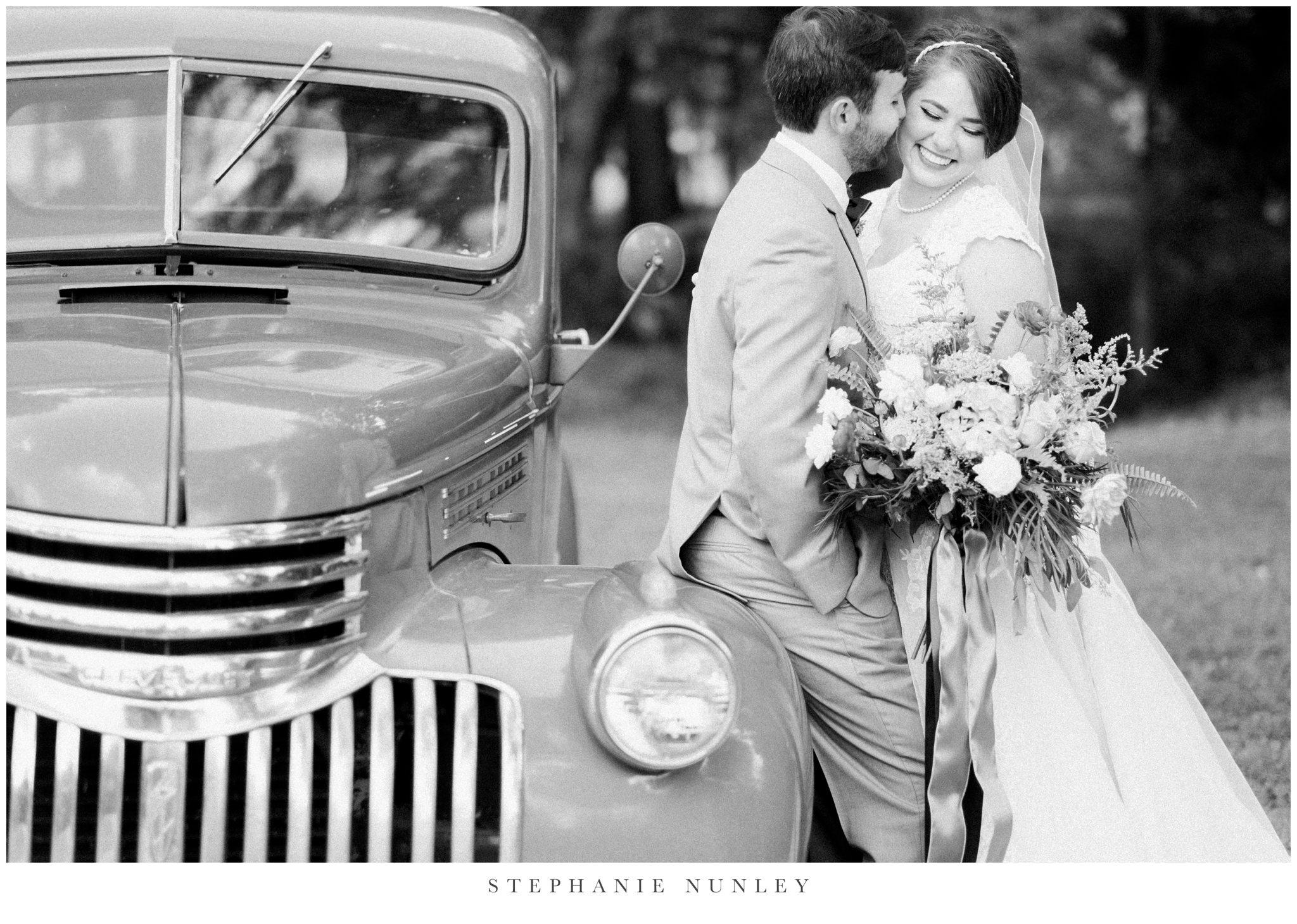 arkansas-wedding-with-lush-wildflower-bouquet-0081.jpg