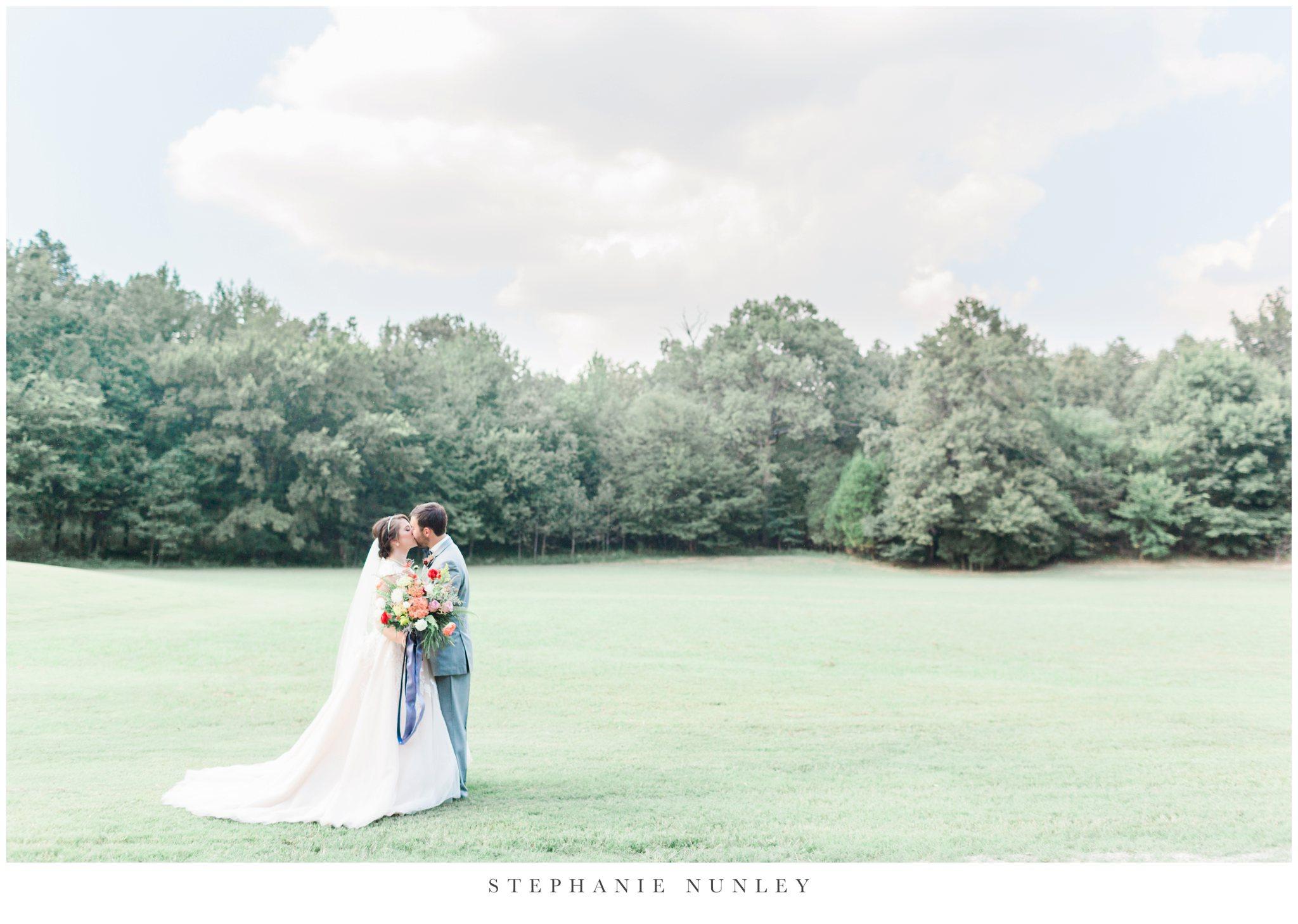 arkansas-wedding-with-lush-wildflower-bouquet-0083.jpg