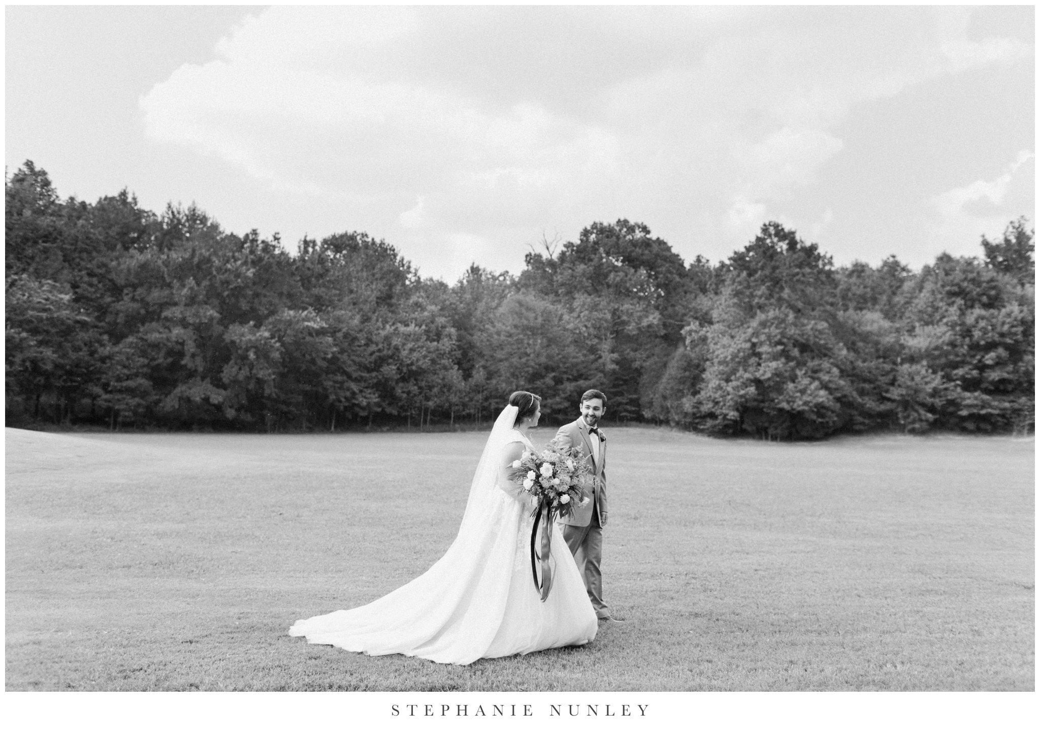 arkansas-wedding-with-lush-wildflower-bouquet-0084.jpg