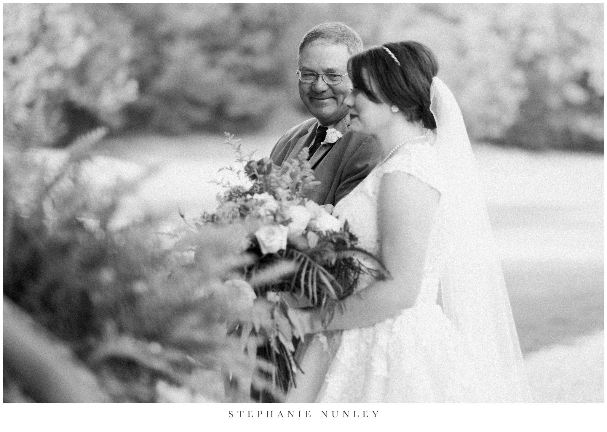 arkansas-wedding-with-lush-wildflower-bouquet-0097.jpg