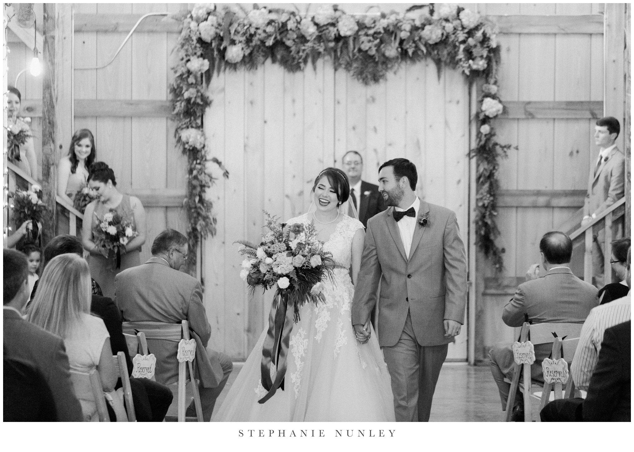 arkansas-wedding-with-lush-wildflower-bouquet-0104.jpg