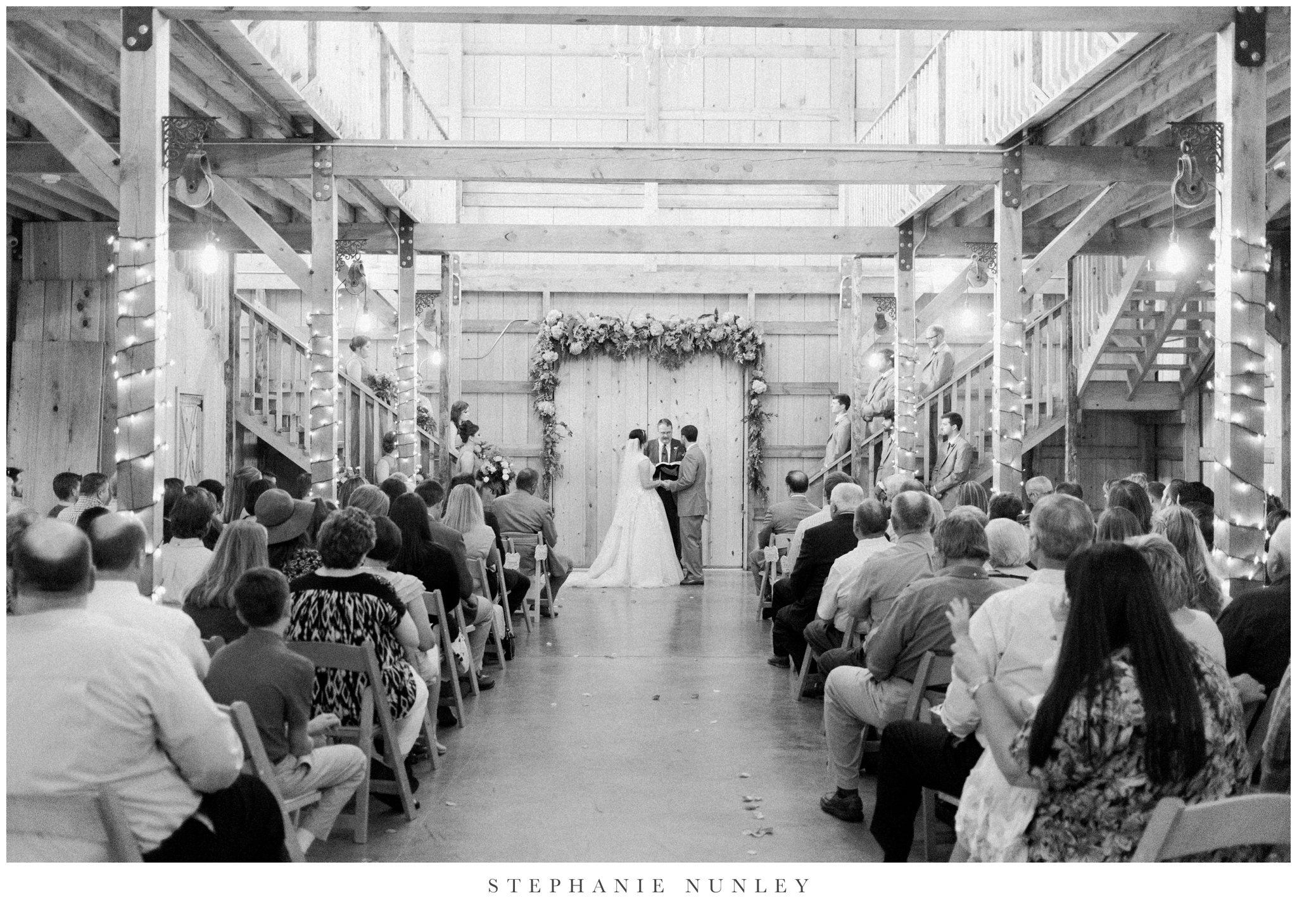 arkansas-wedding-with-lush-wildflower-bouquet-0102.jpg