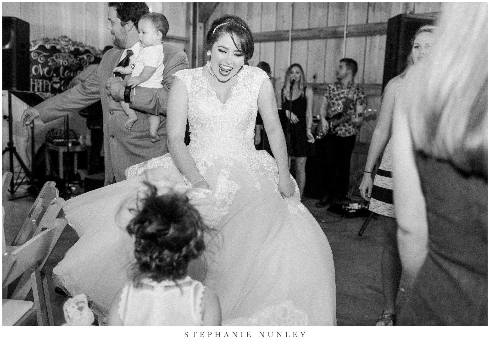 arkansas-wedding-with-lush-wildflower-bouquet-0146.jpg