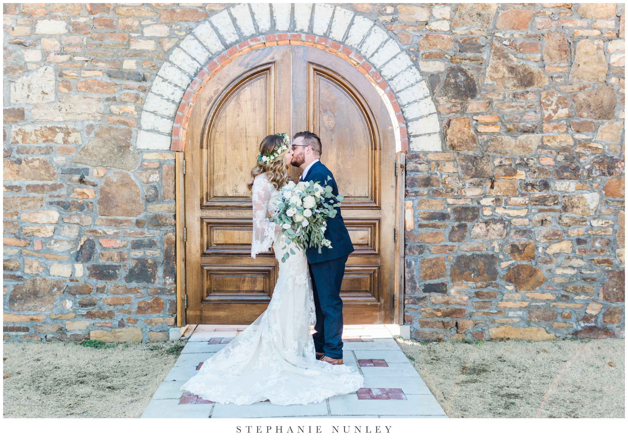sassafrass-springs-vineyard-film-wedding-photos-38.jpg