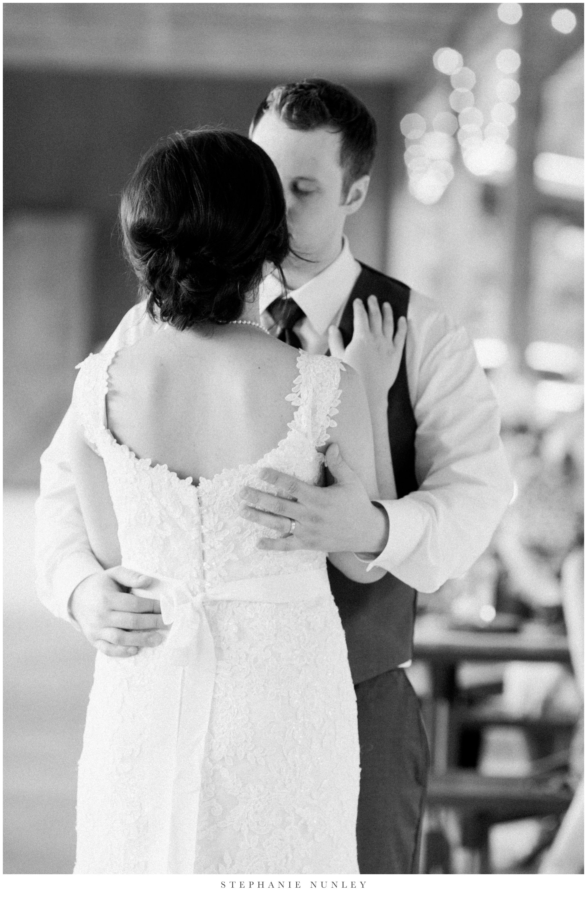 arkansas-outdoor-film-inspired-wedding-0089.jpg