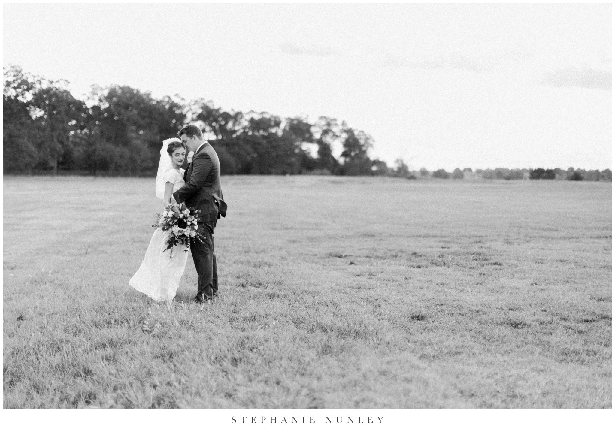 first-baptist-rogers-wedding-photos-0042.jpg