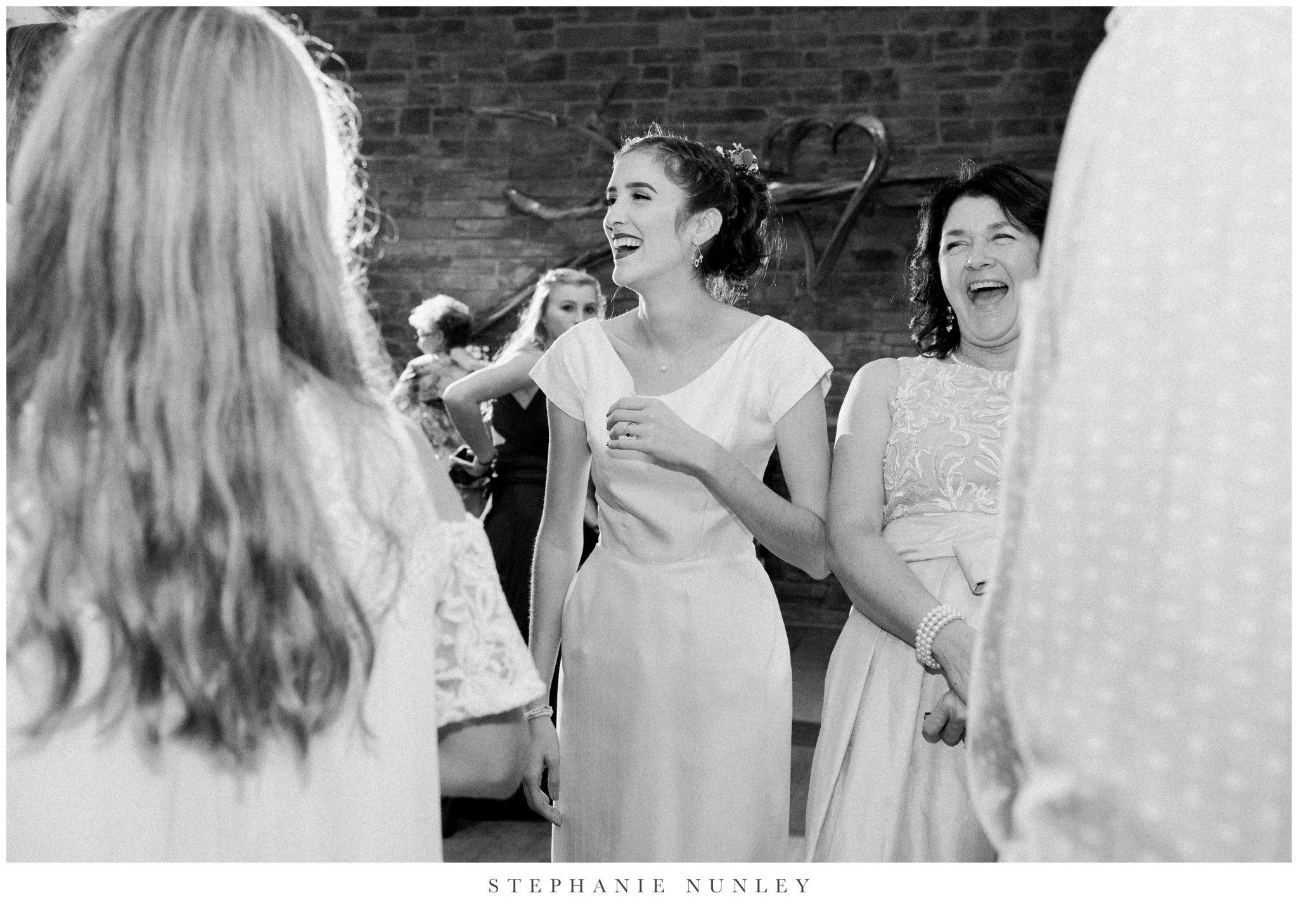 first-baptist-rogers-wedding-photos-0074.jpg