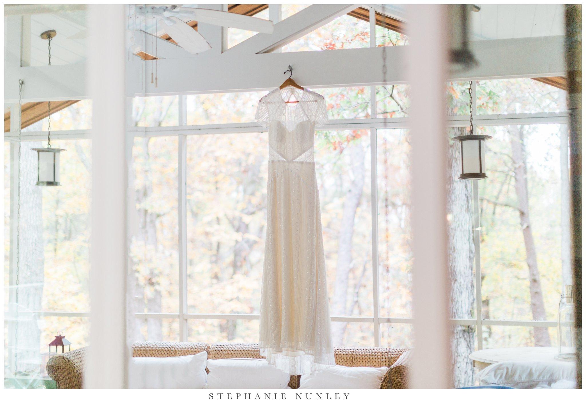 fall-arkansas-country-club-wedding-photos-013.jpg