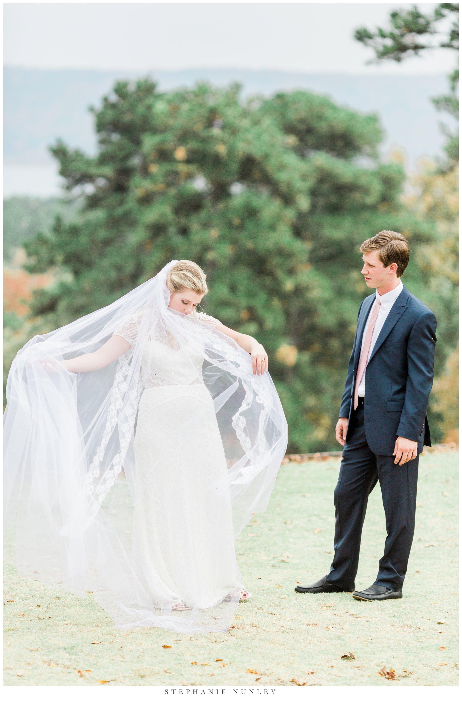 fall-arkansas-country-club-wedding-photos-029.jpg