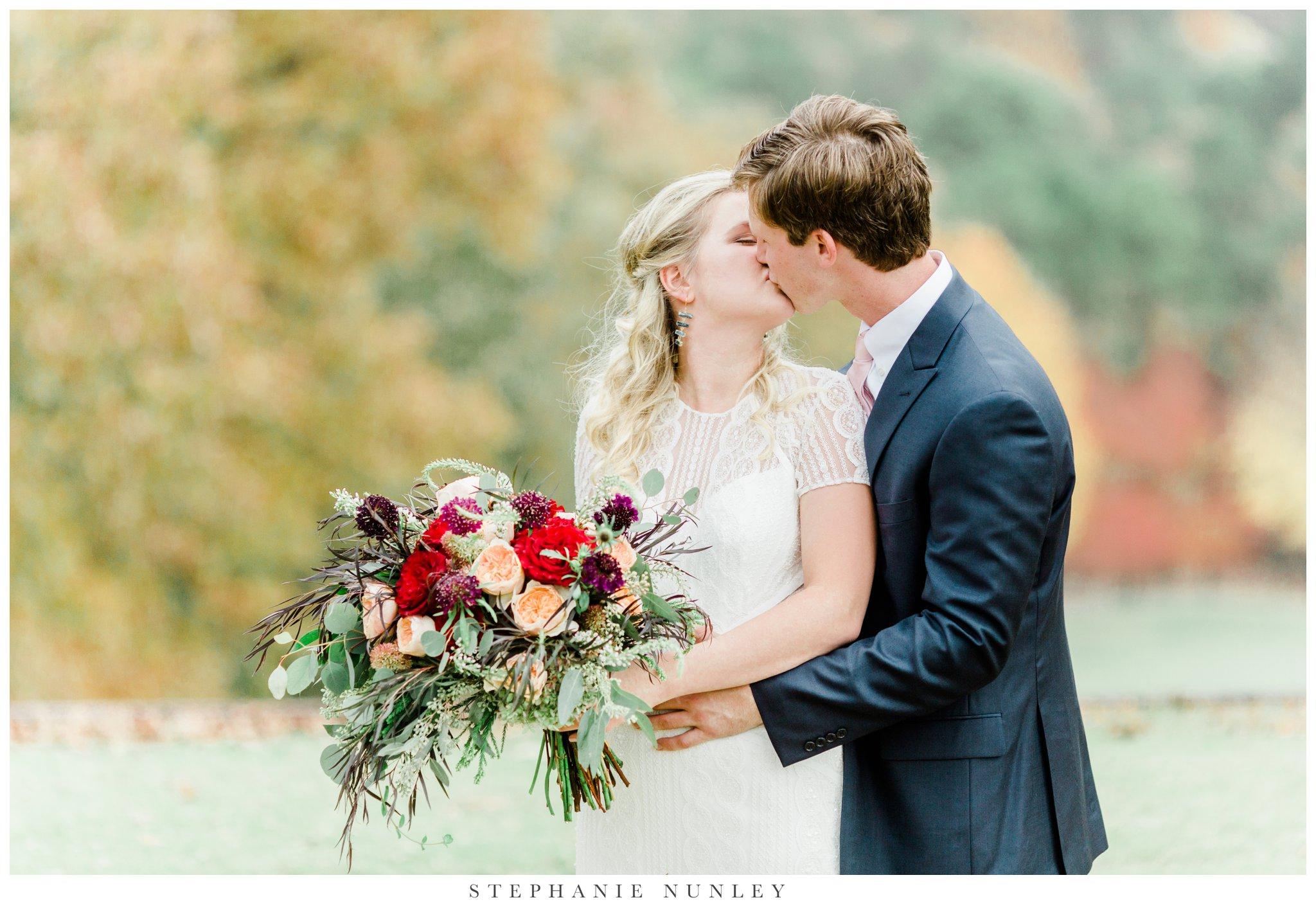 fall-arkansas-country-club-wedding-photos-037.jpg