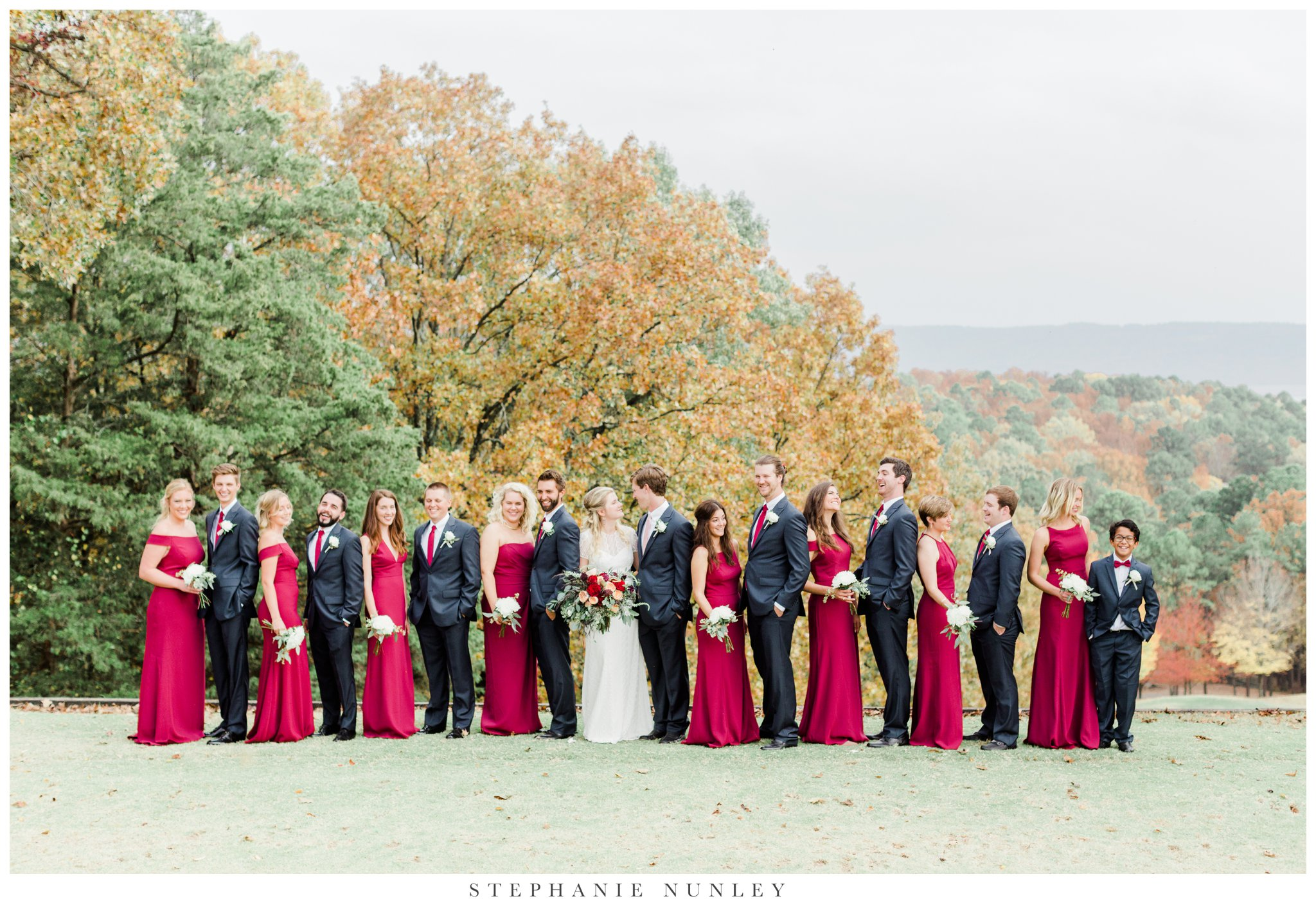 fall-arkansas-country-club-wedding-photos-049.jpg