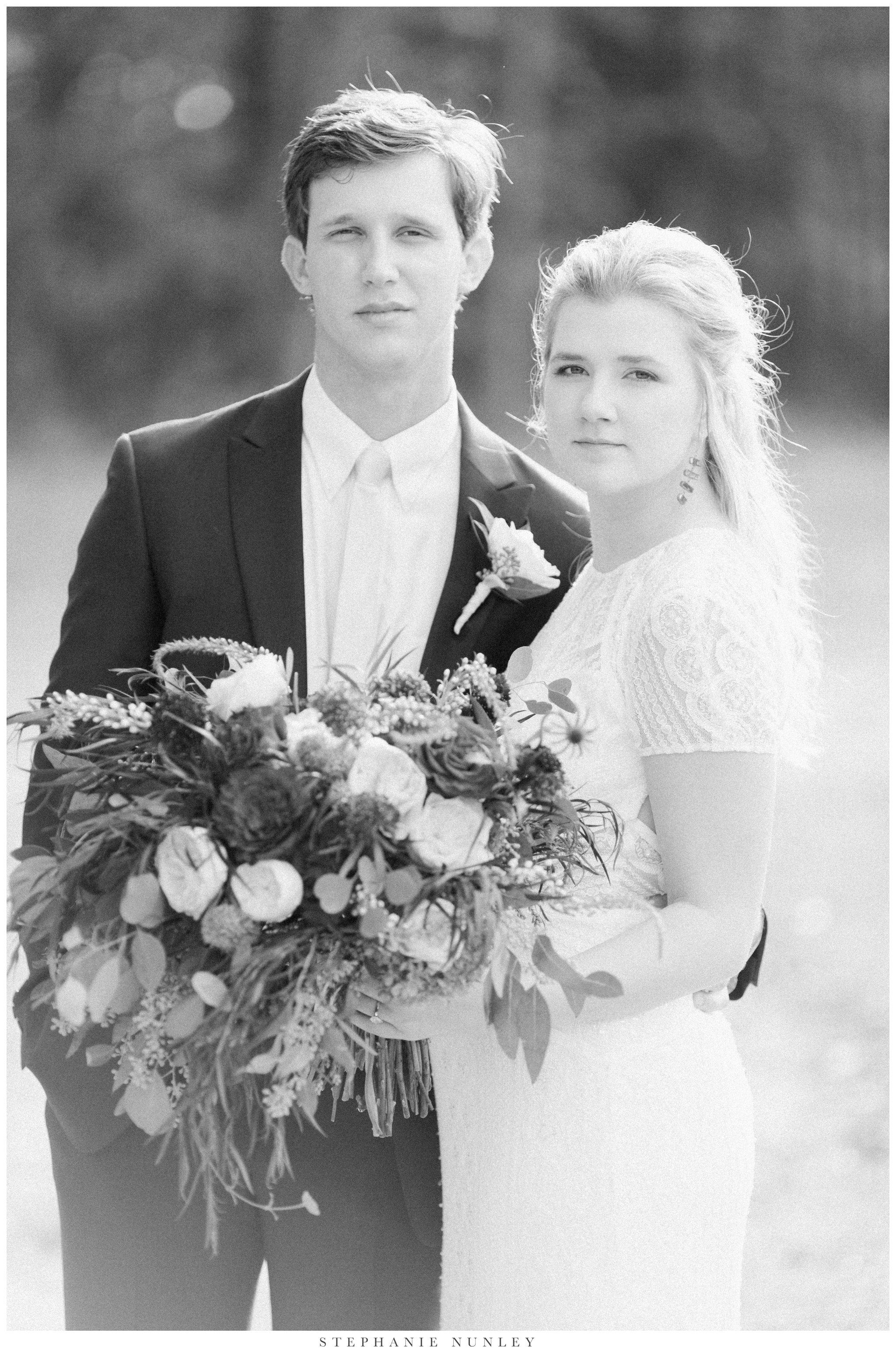 fall-arkansas-country-club-wedding-photos-059.jpg