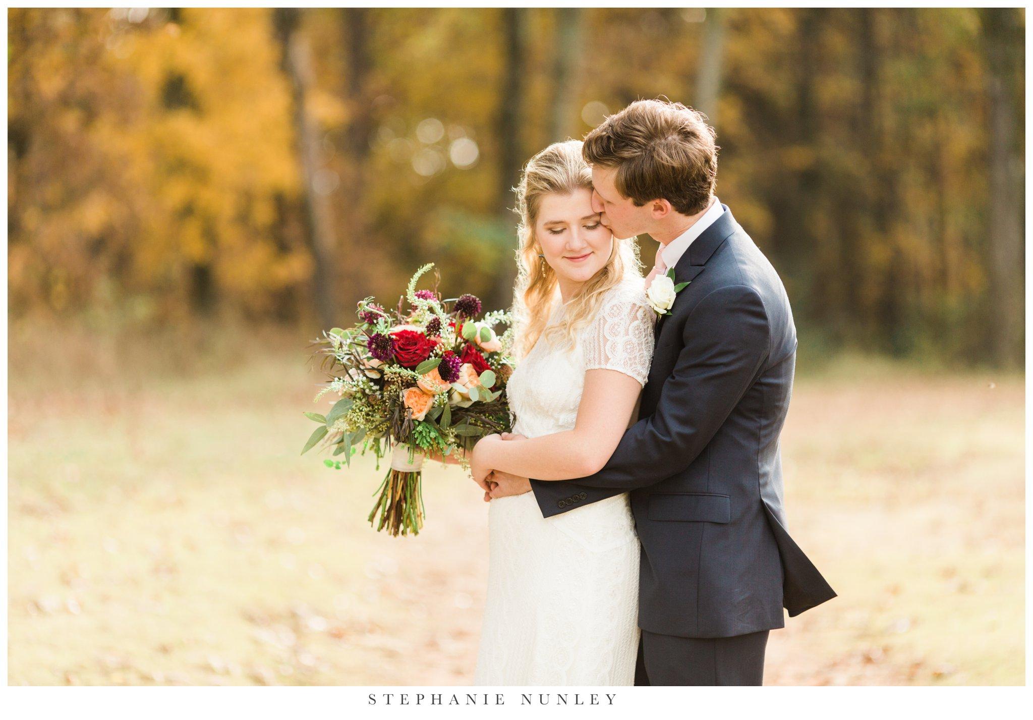 fall-arkansas-country-club-wedding-photos-064.jpg