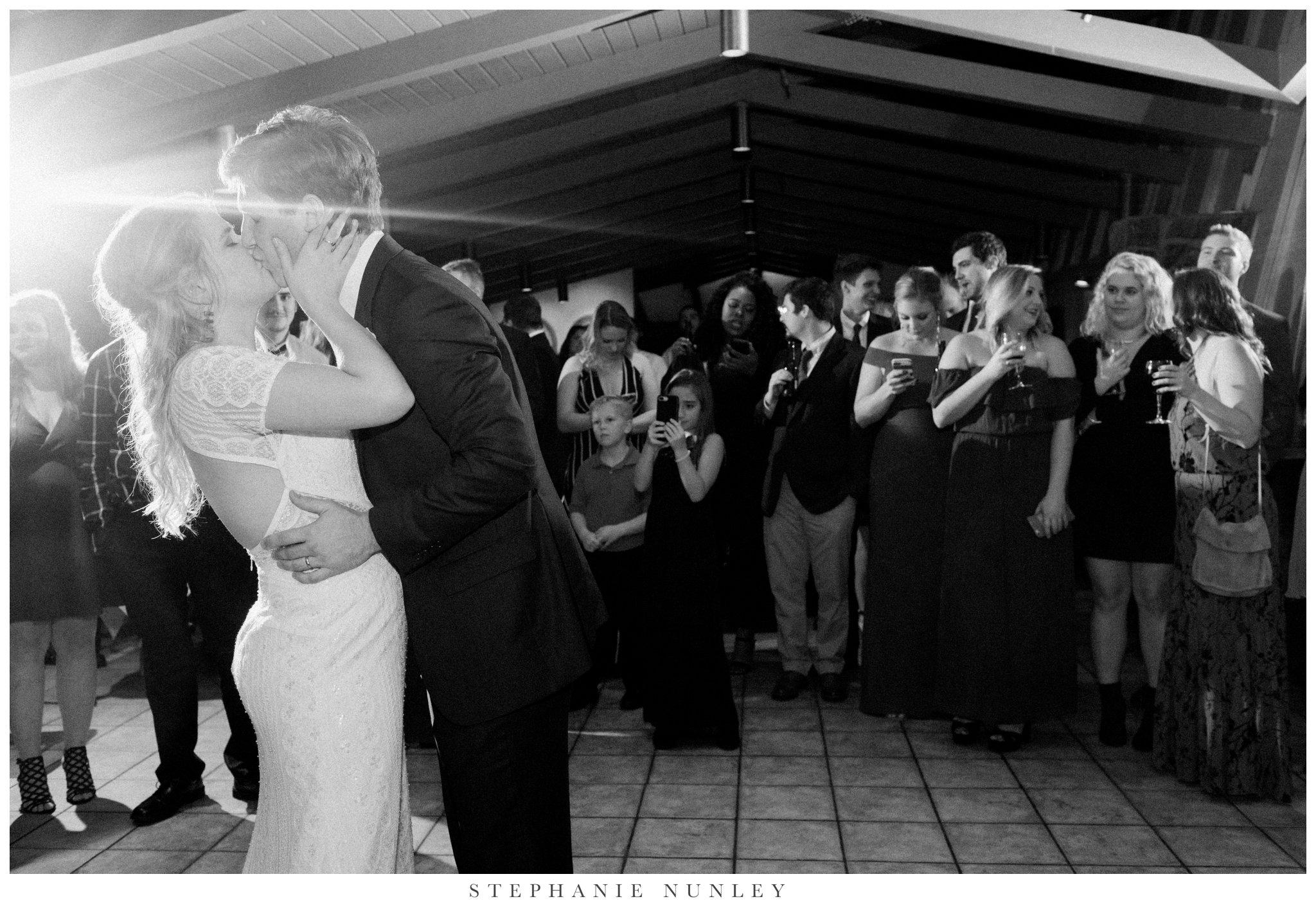 fall-arkansas-country-club-wedding-photos-089.jpg