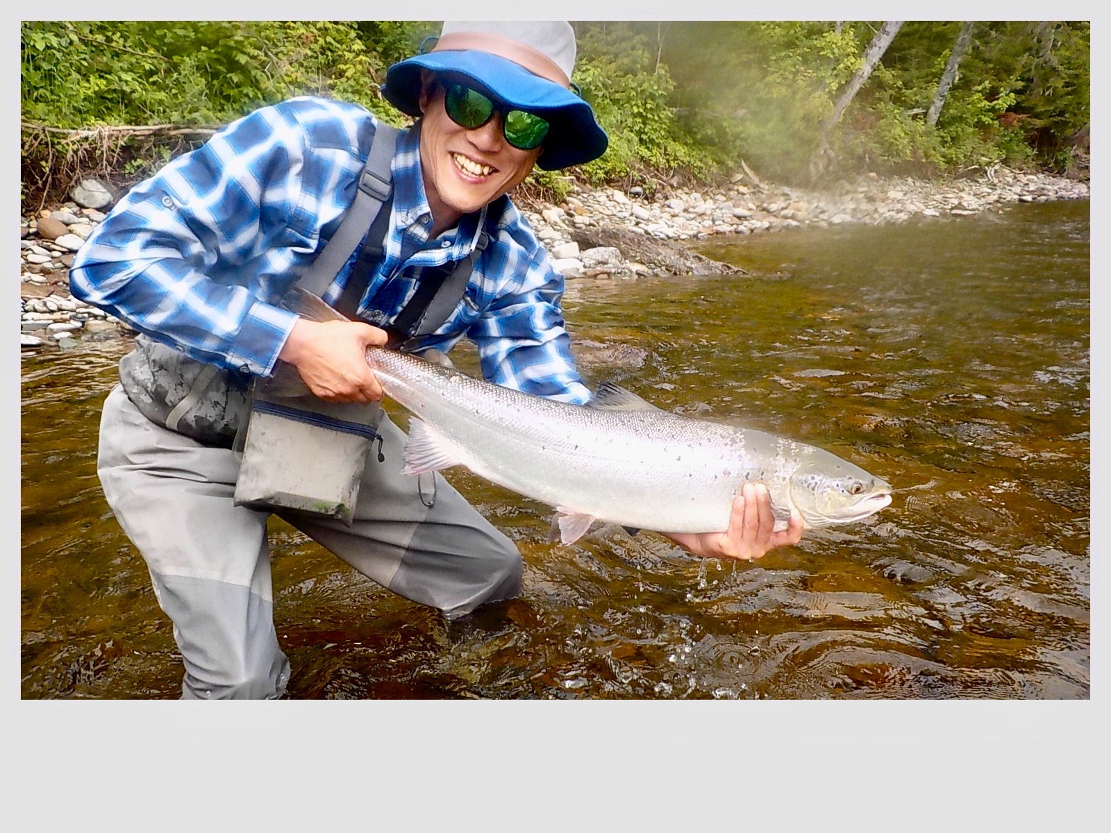 Heonku Lee landed this fine salmon on his first day out, congratulations Heonku well done.