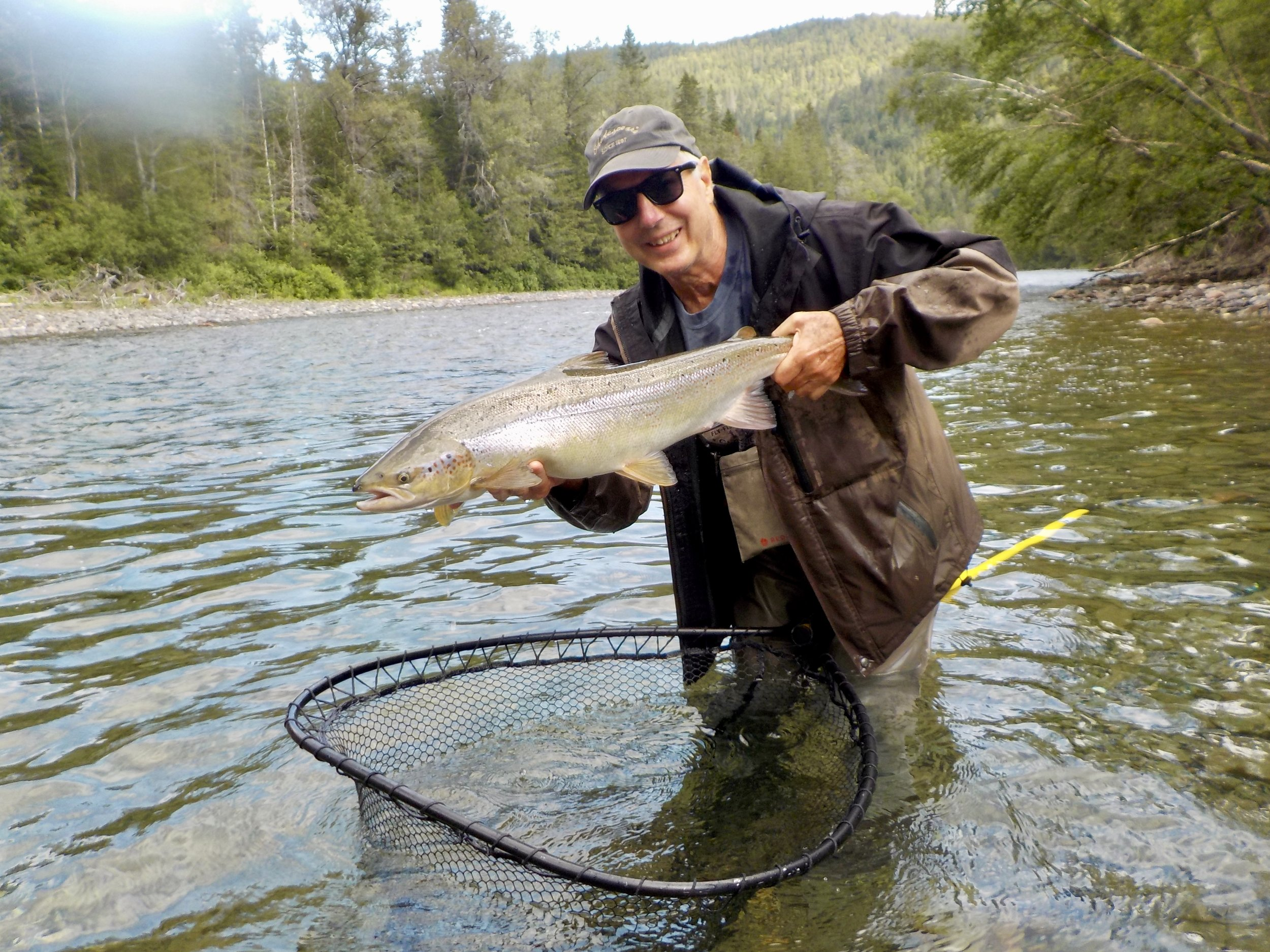 We had the please of welcoming Christopher Crum for the first time this year at Camp Bonaventure! Here he is releasing a beautiful salmon back into the Petite Cascapedia.