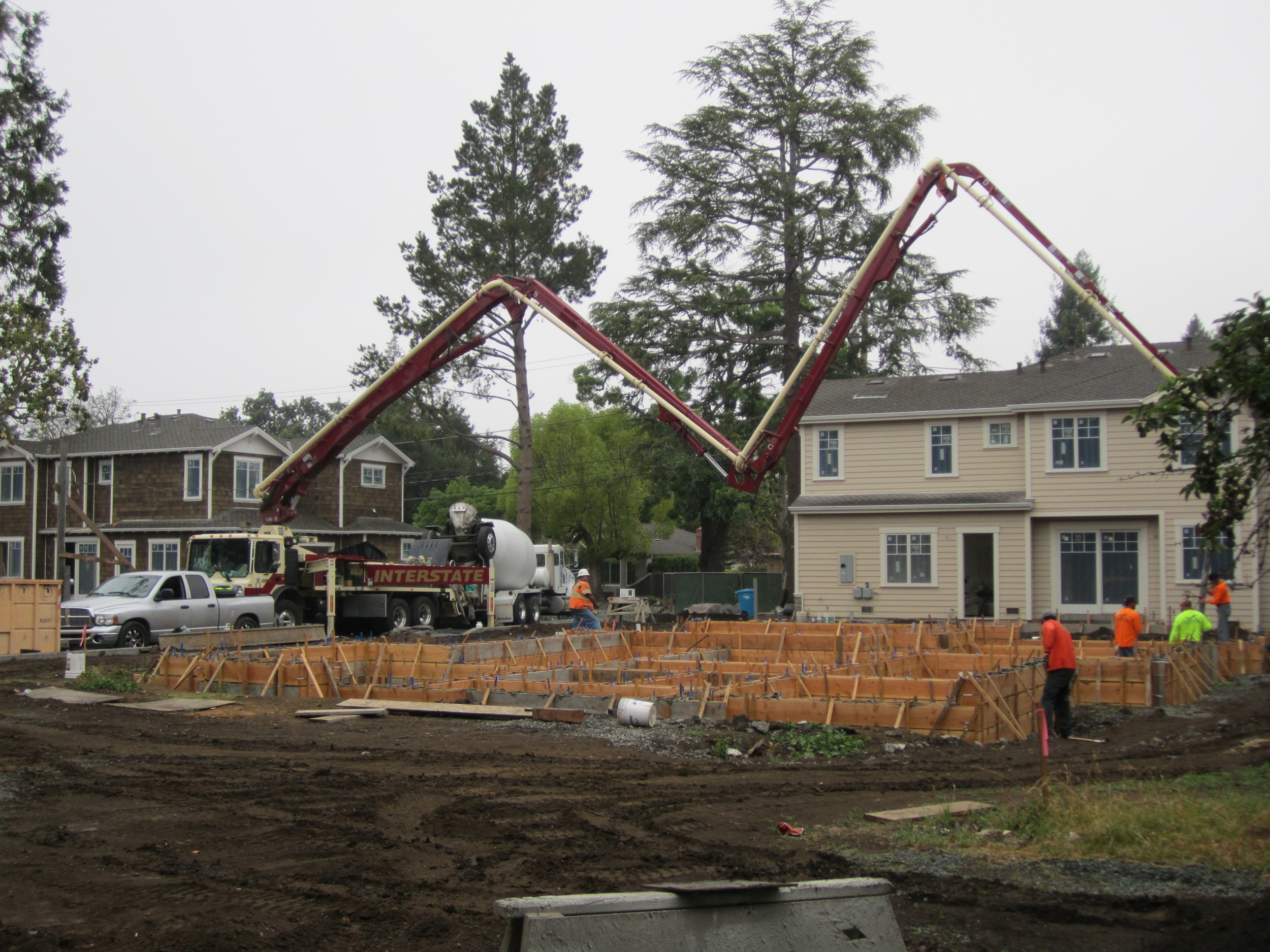 6 home development West Oakwood, Rossi Lane Redwood City Available 2015/2016