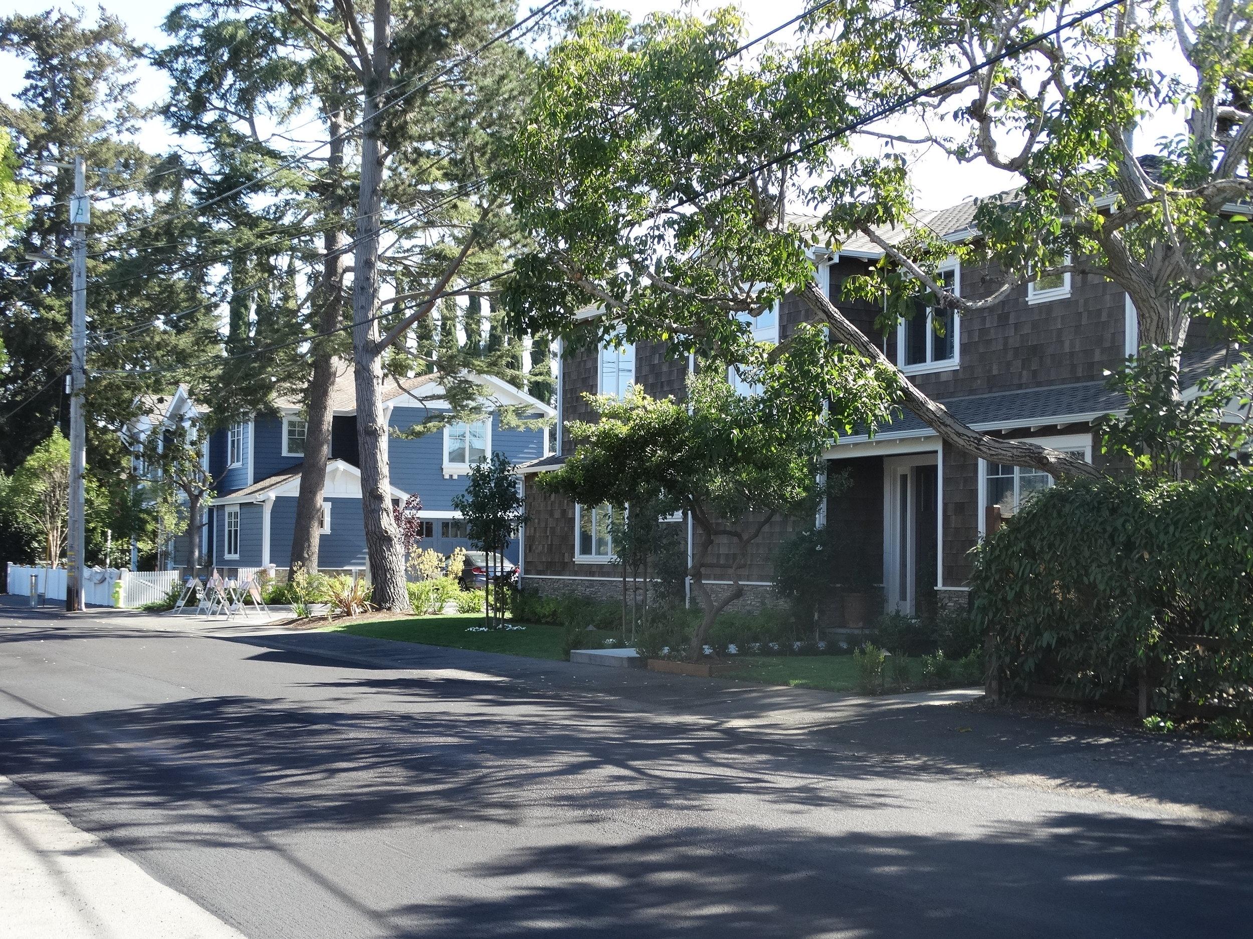 West Oakwood - Rossi Entrance