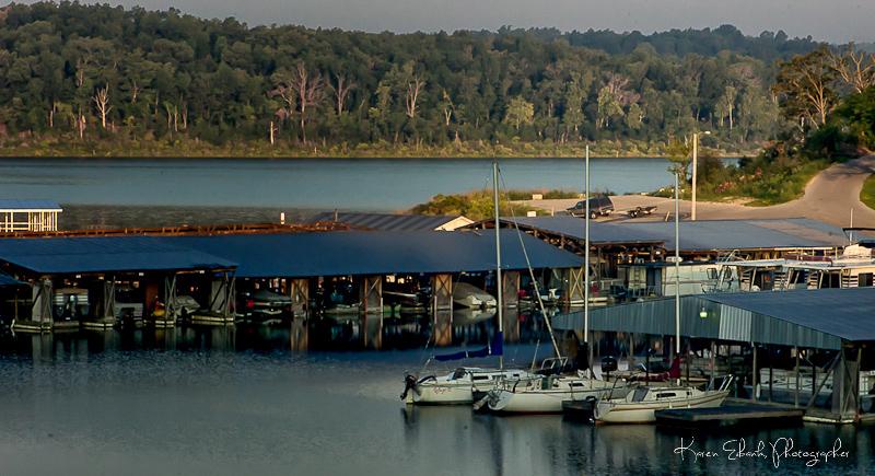 Pontiac_Cove_Marina_on_Bull_Shoals_Lake.jpg