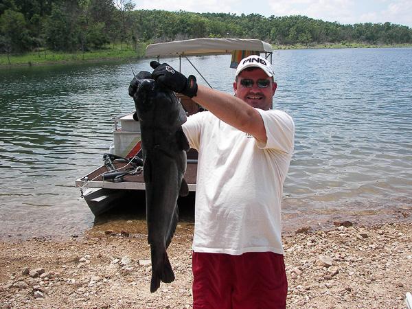 Fishing_at_Pontiac_Cove_Marina-1.jpg