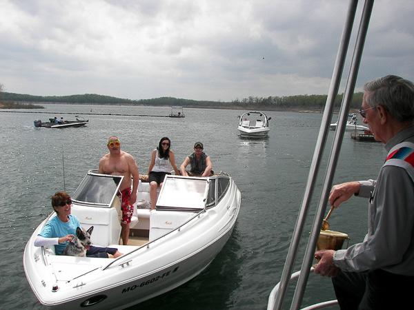 Pontiac_Cove_Marina_on_Bull_Shoals_Lake-2.jpg