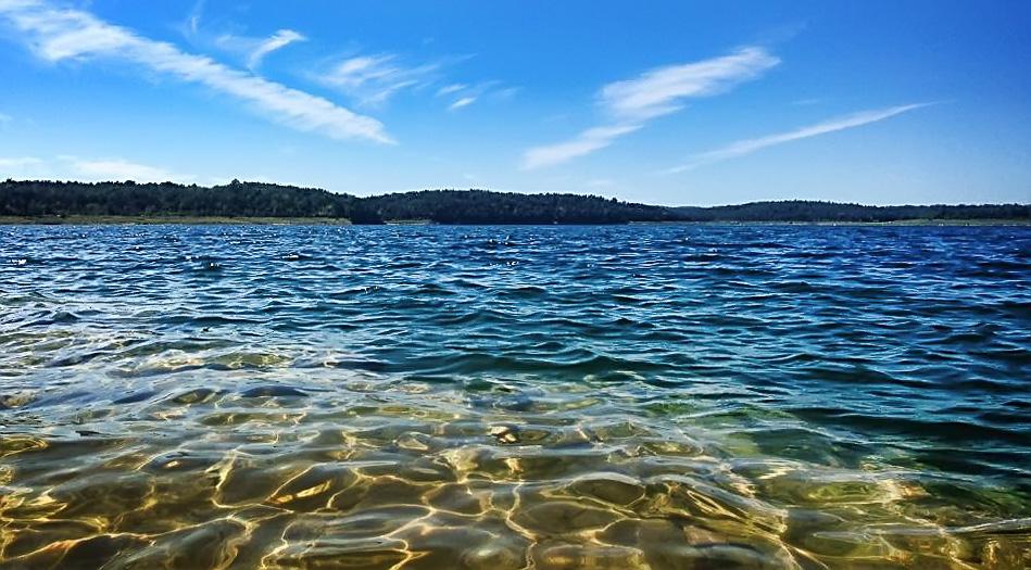 Pontiac_Cove_Marina_and_Lake_Harbour_Resort_and_Campground_on_Bull_Shoals_Lake.jpg