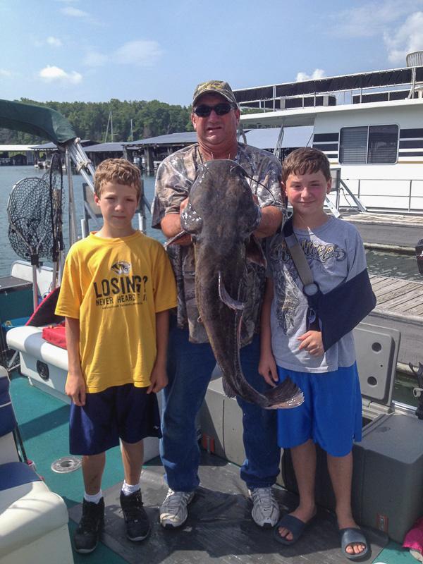 fishing_at_Pontiac_Cove_Marina_on_Bull_Shoals_Lake.jpg