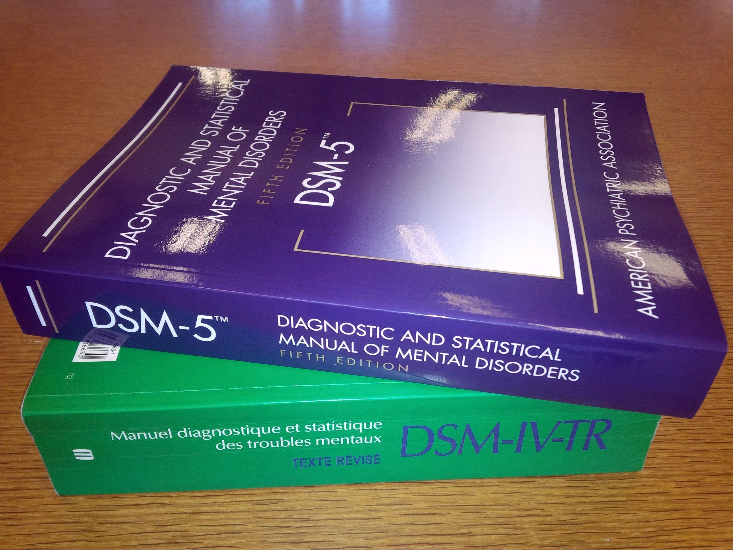 DSM-5_&_DSM-IV-TR.jpg