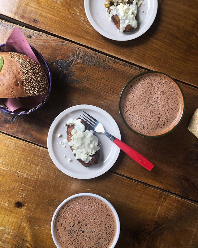 Have a sweet and bitter hot chocolate-for-breakfast addiction. This time, with moletos rellenos (fried sweet, squishy plantains) covered in queso fresco and pan de yema at La Cosecha, un mercado orgánico en Oaxaca I visited during @oaxaca_flavors. . . . . . #oaxaca #darlingdaily #flashesofdelight #livethelittlethings #nothingisordinary #traveldeeper #culturetrip #gglocalgems @frommers @cntraveler @dametraveler #oaxacaflavors #mexico #visitoaxaca #makemoments #allshots_ #passionpassport @passionpassport #wheretofindme #pathport #travelwithfathom #bbctravel #prettylittletrips #apartmenttherapy #suitcasetravels #mydomainetravels #travelandleisure #mytinyatlas @tinyatlasquarterly @apartmenttherapy @mydomaine @bbc_travel @foodandwinees @away @beautifulhotels #moletos #pandeyema