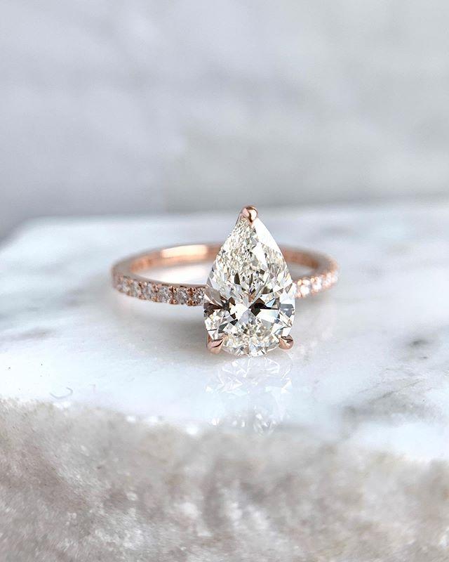 Pearfection... . . . #shesaidyes #pearshapediamond #rosegold #engagementring
