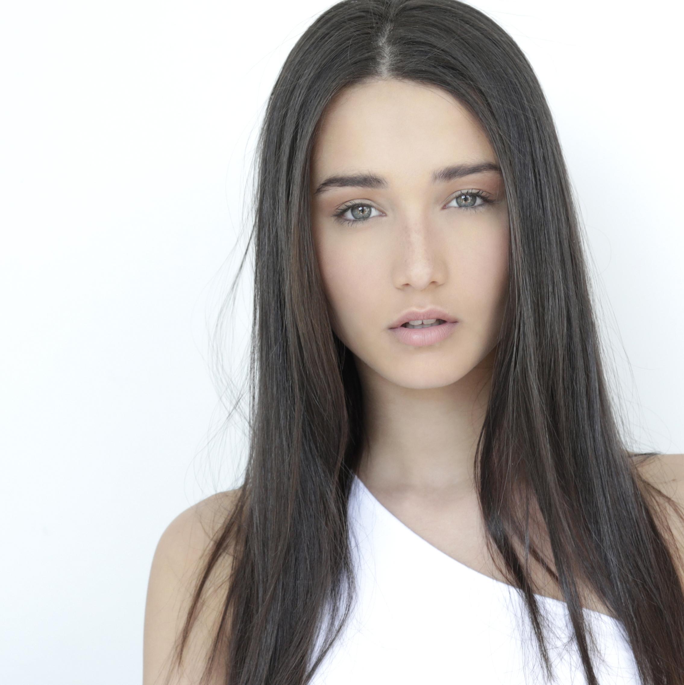 Natural-Hair-Makeup-Fadil-Berisha-Photography.jpg