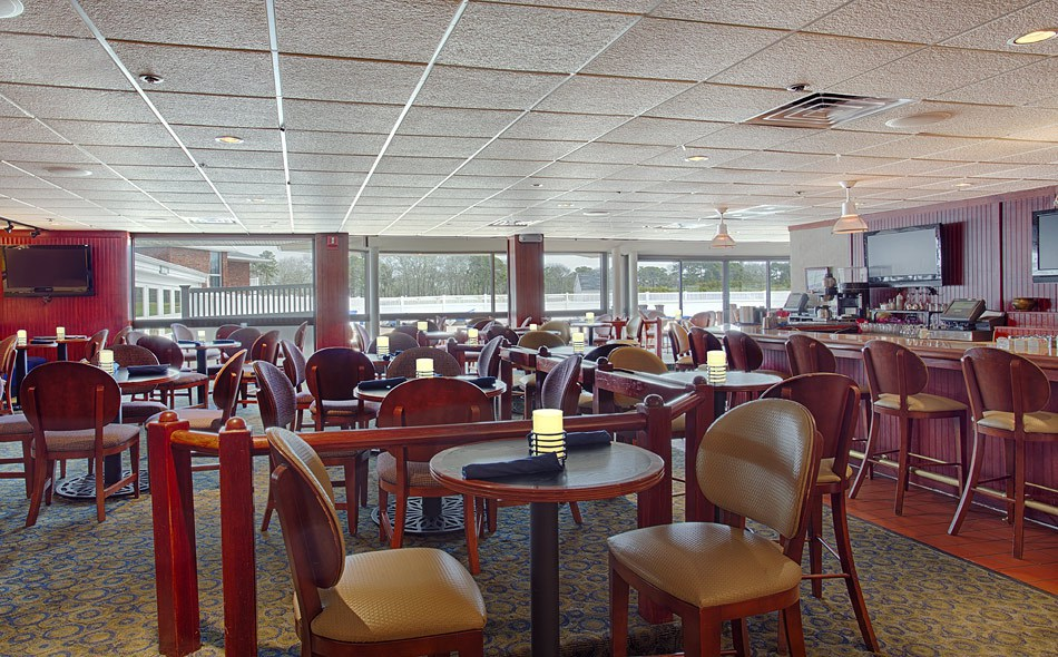 Resort&ConfCtrHyannis-SportsBar_FULL.jpg