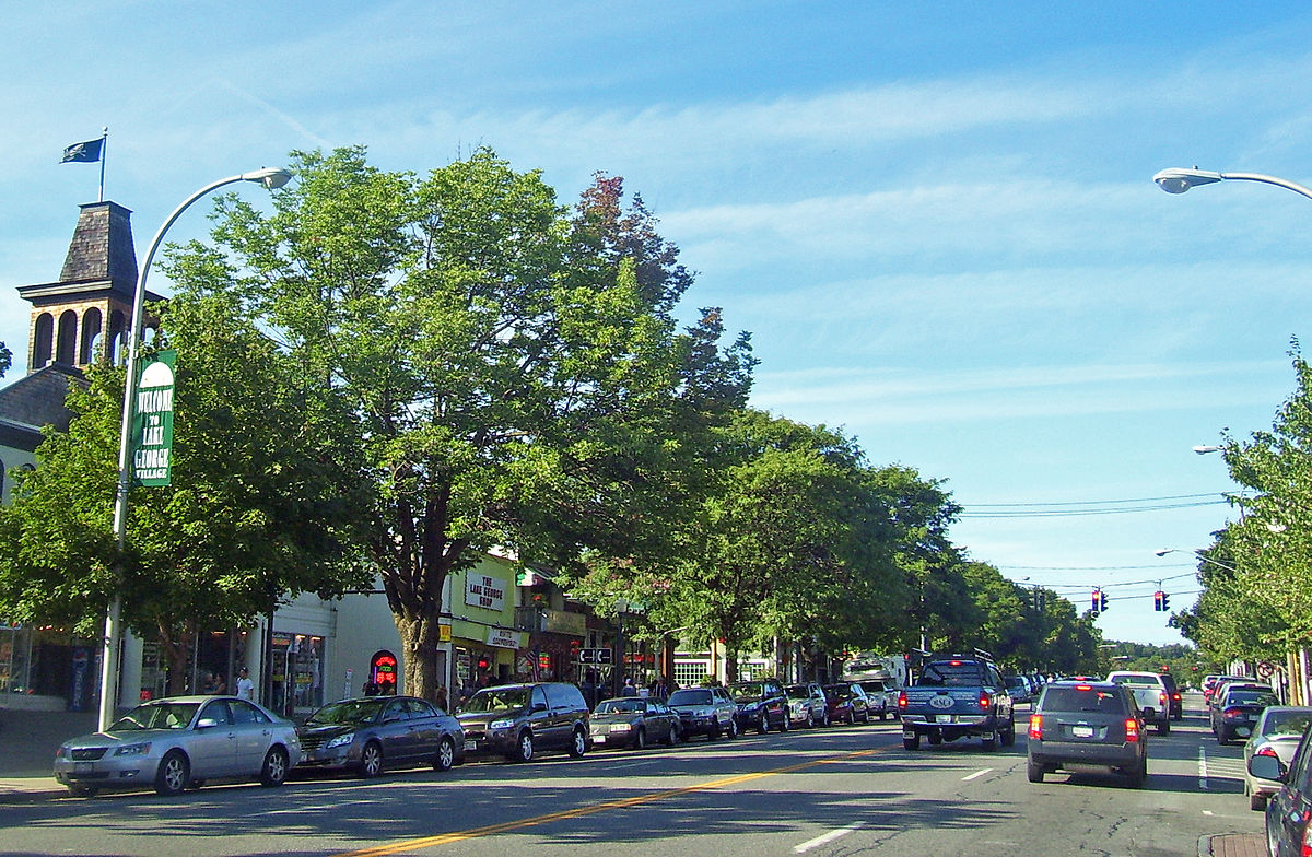 1200px-Downtown_Lake_George,_NY.jpg