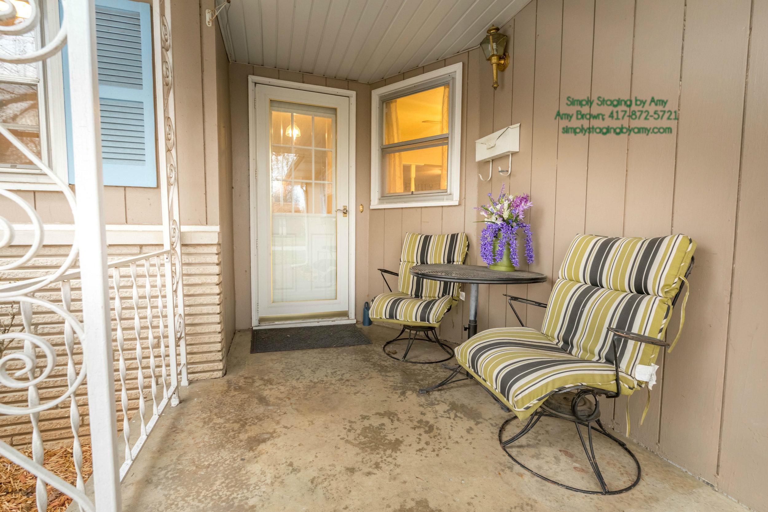 (35) 1435 E Crestview Spfd Front Porch After.jpg