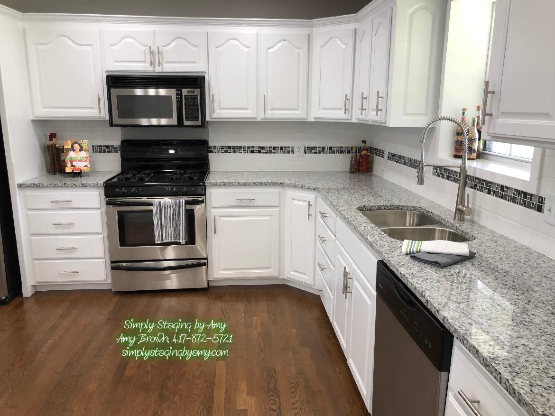 Lora Crow Kitchen After 6.jpg