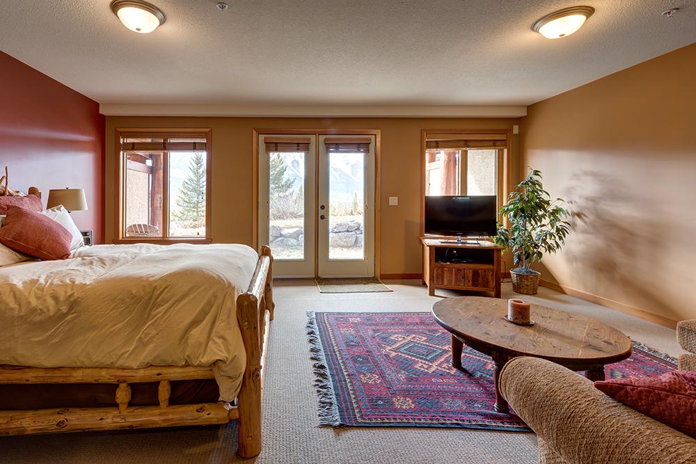 WoodsEdge Bedroom