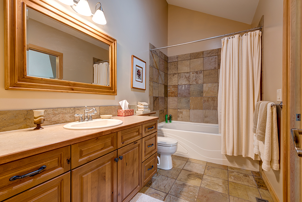 Canmore Bathroom